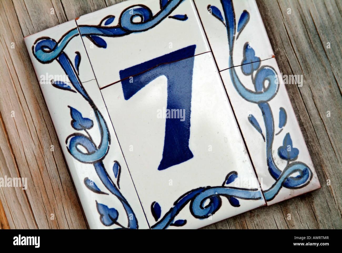 Numeri Civici In Ceramica.Numero 7 Sette Segno In Ceramica Per I Numeri Civici Foto
