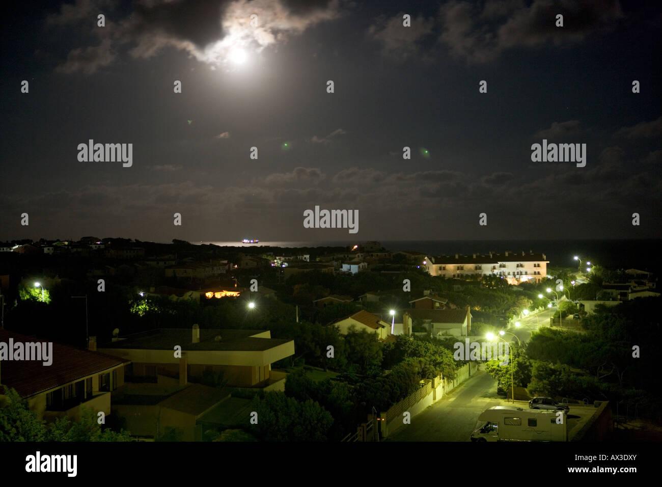 Luna Piena A Calasetta In Background Sul Mare Foto Immagine Stock