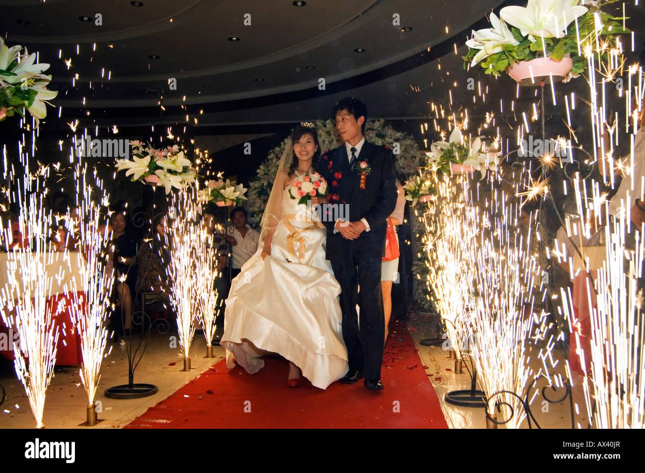 Vestito Da Sposa Western.Cina Pechino Un Giovane Cinese Di Sposarsi In Western Abito Da
