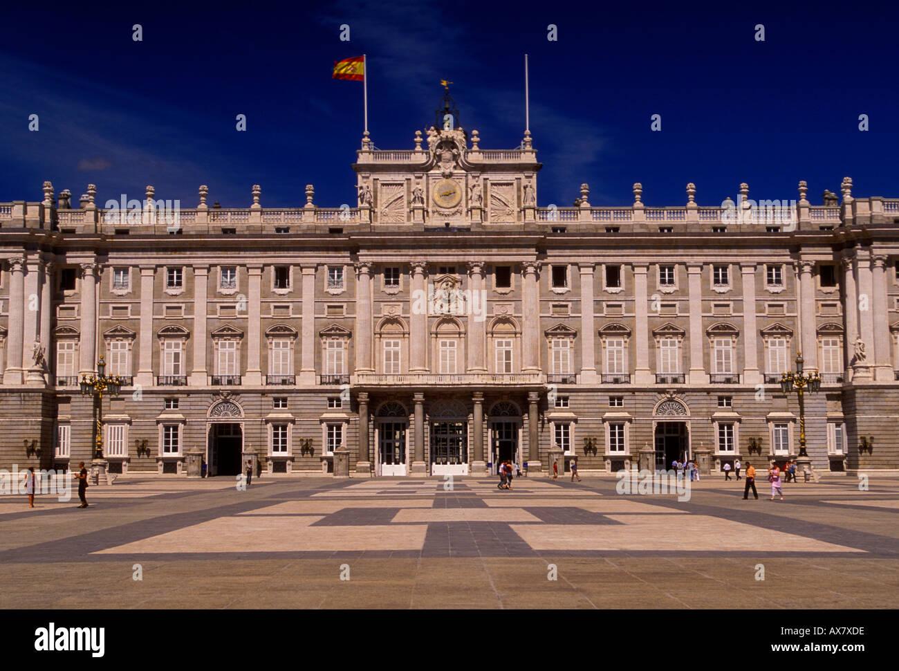 Architettura A Madrid il royal palace, il palacio real, architettura neoclassica