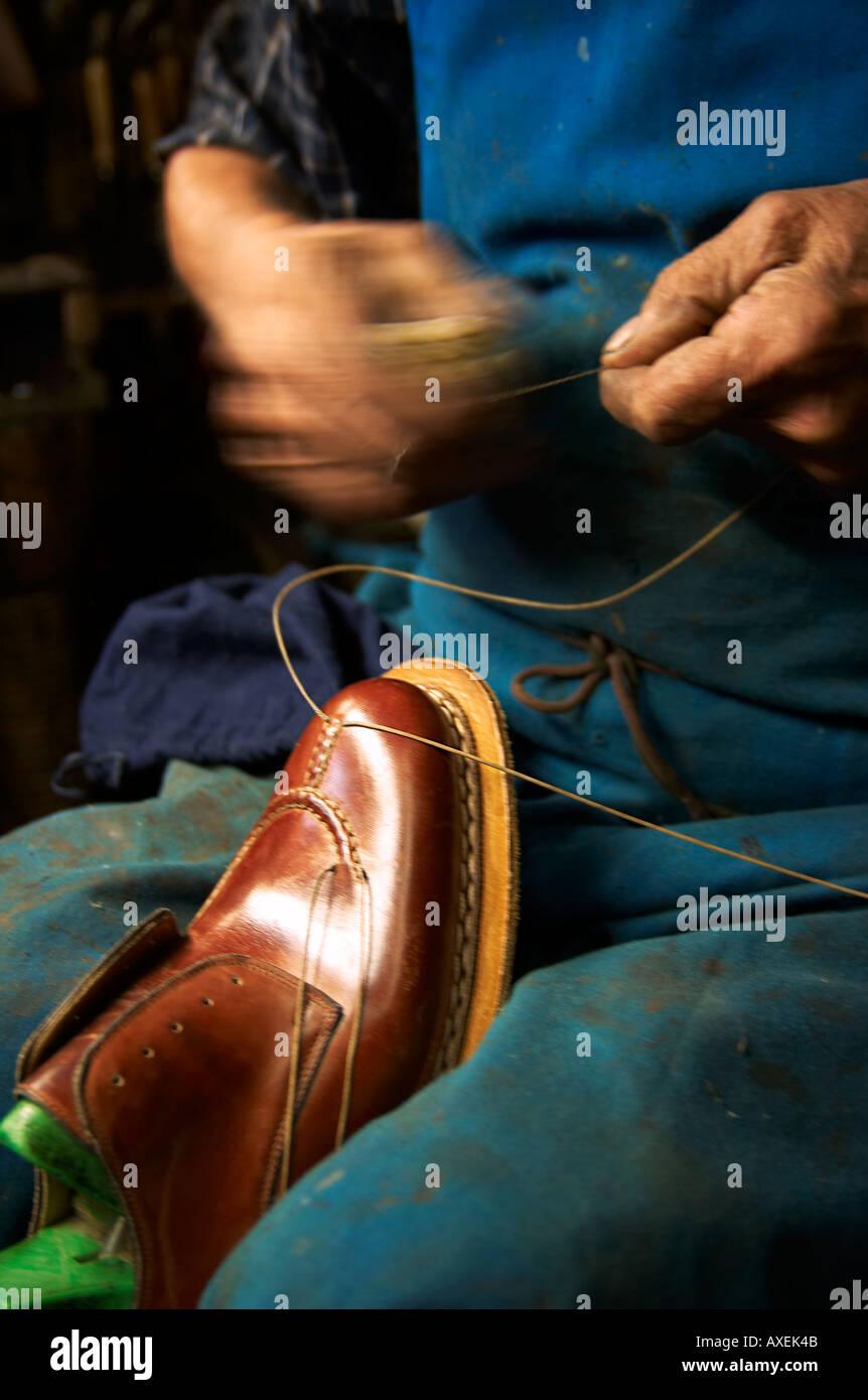 best service 5d498 ab7be L'Italia, nelle Marche Morrovalle fabbrica di scarpe ...