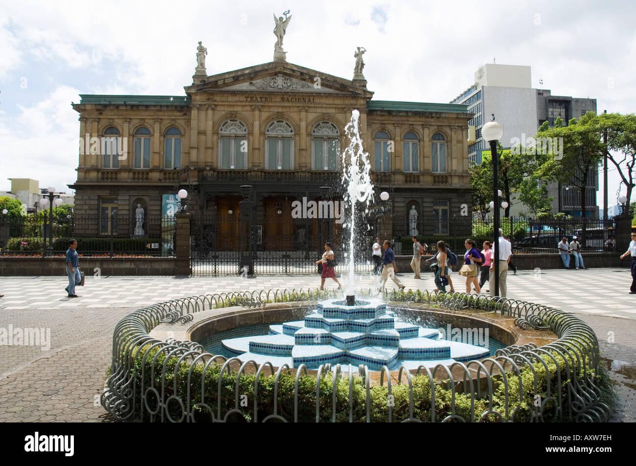 Il Teatro Nazionale e il Teatro Nacional, San Jose, Costa Rica Immagini Stock