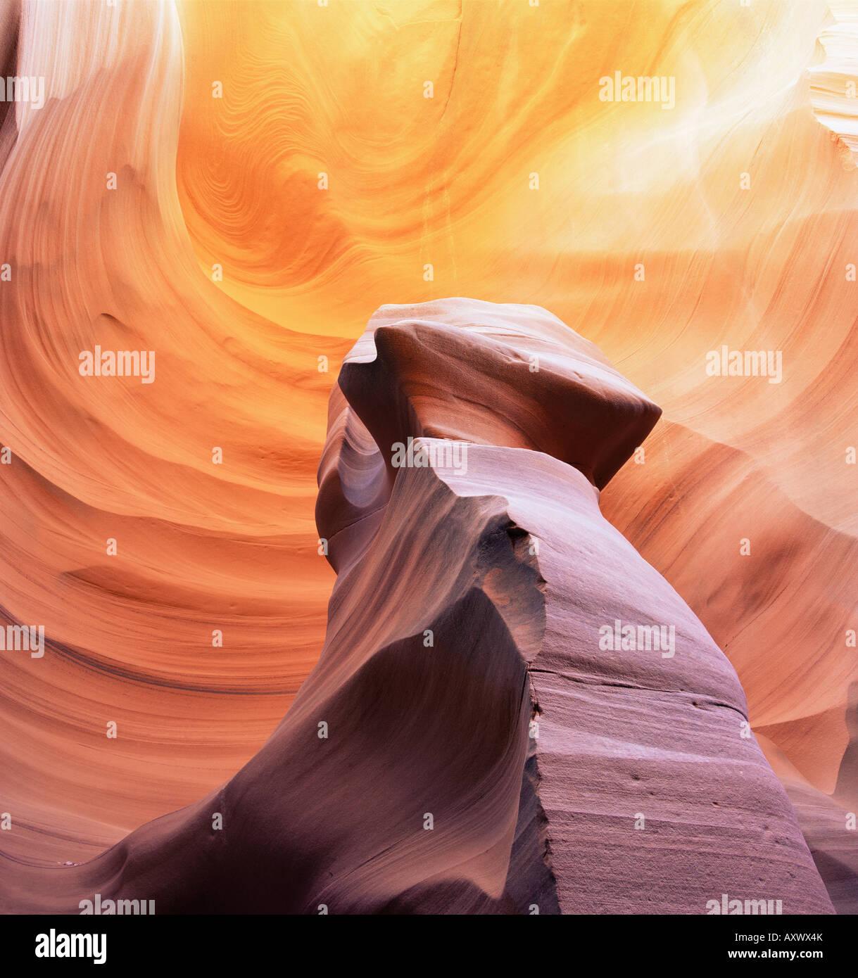 Pilastro di pietra in Thin Lizy Canyon, uno slot Canyon, Arizona, Stati Uniti d'America (USA), America del Nord Immagini Stock
