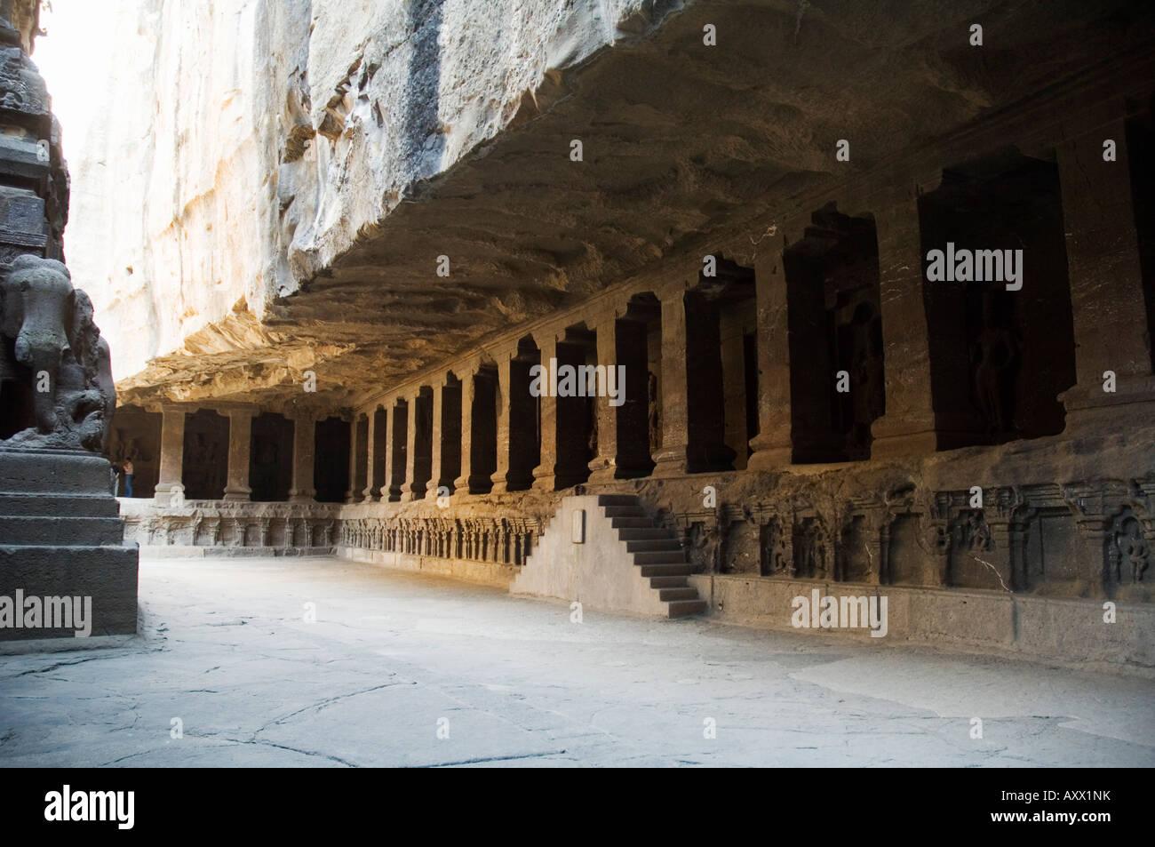 Le Grotte di Ellora, templi tagliato nella roccia solida, nei pressi di Aurangabad, Maharashtra, India Immagini Stock
