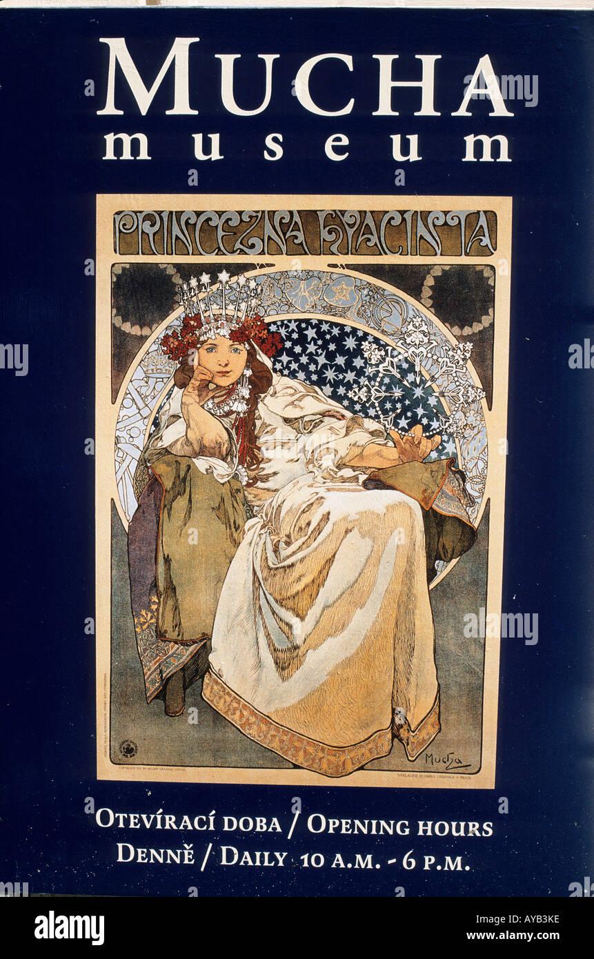 Poster pubblicitari il Mucha Museum Kaunicky palac Panska 7 Museo di Praga all'artista Art Nouveau Alfons Mucha 1860 1939 Immagini Stock