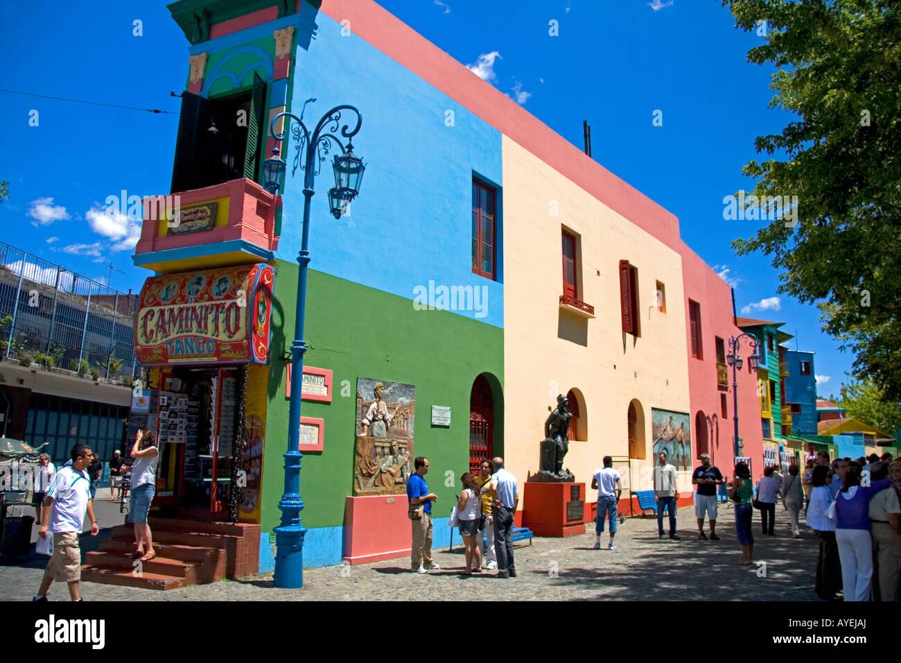 Gli edifici colorati sul Caminito in La Boca barrio di Buenos Aires Argentina Immagini Stock