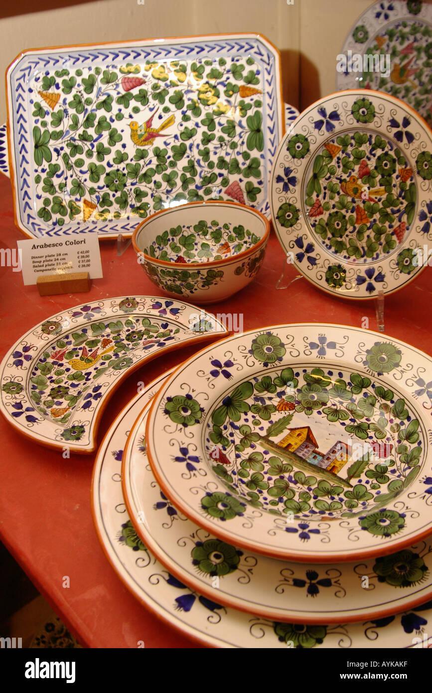 Ubaldo Grazia ceramiche Deruta, Umbria Italia montante verticale ...