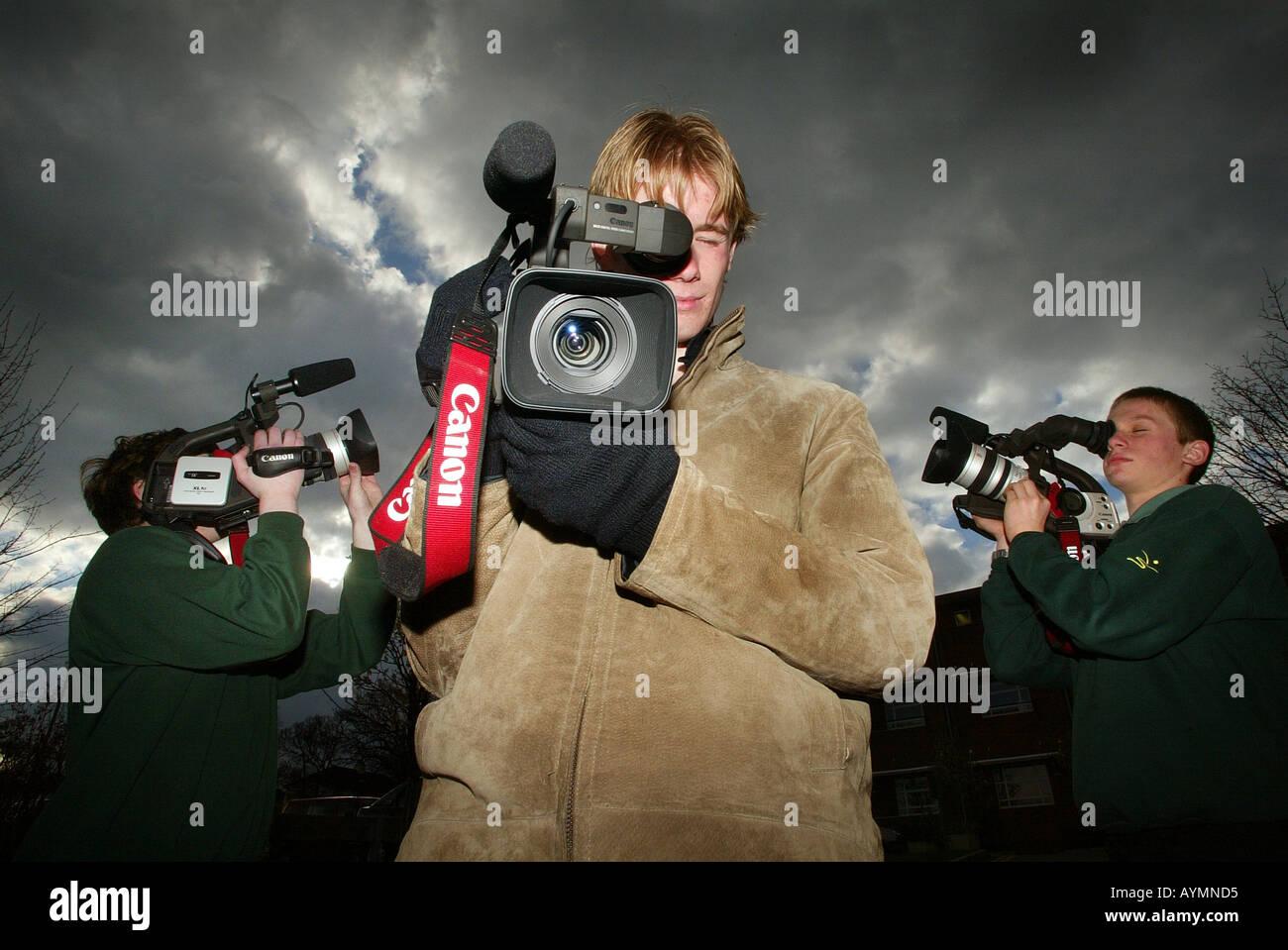 La scuola dei bambini con telecamere *solo uso editoriale* Immagini Stock