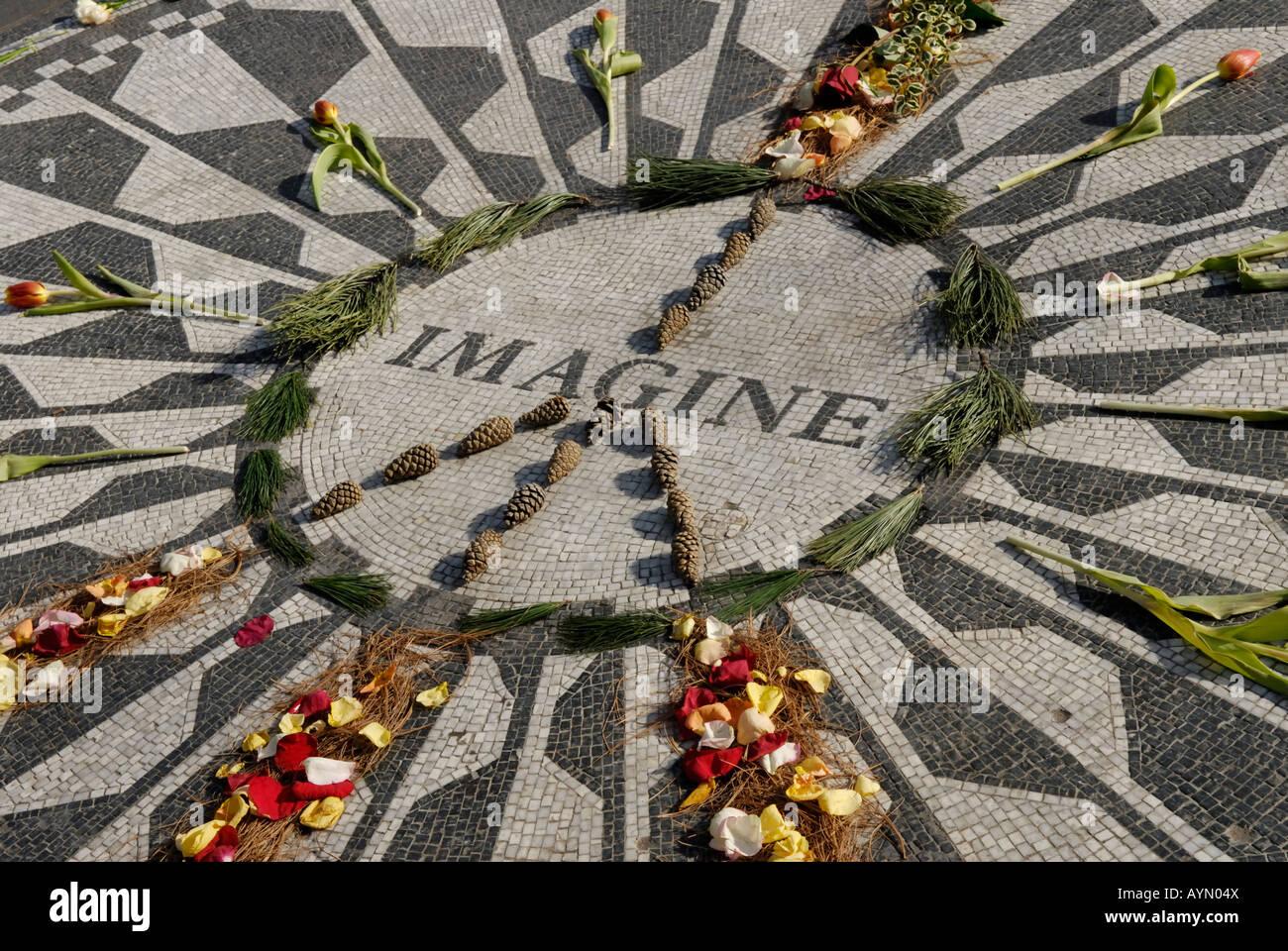 Il mosaico di immaginare il memorial a John Lennon il Central Park di New York Immagini Stock