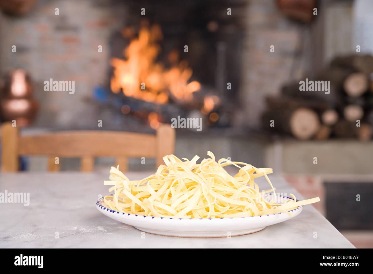 Spaghetti su una piastra Immagini Stock
