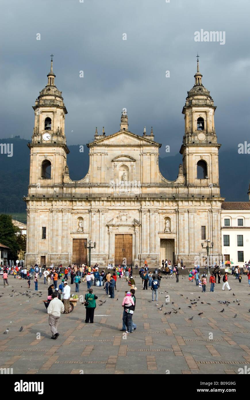 Catedral Primada sulla Plaza de Bolivar di Bogotà, Colombia Immagini Stock