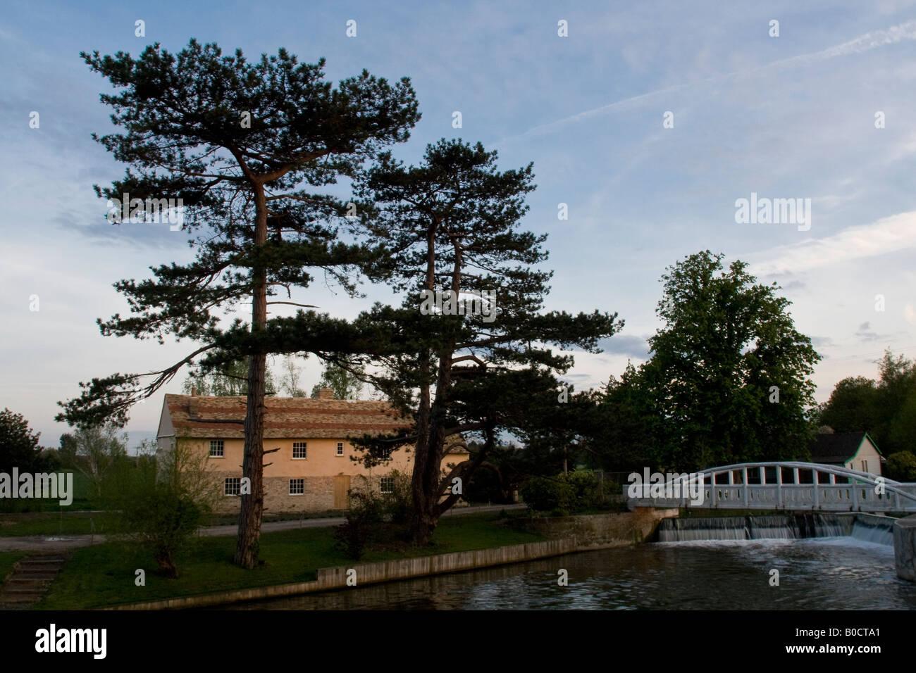 Casa a fianco di esche Bite Lock sul fiume Cam vicino a Cambridge Foto Stock