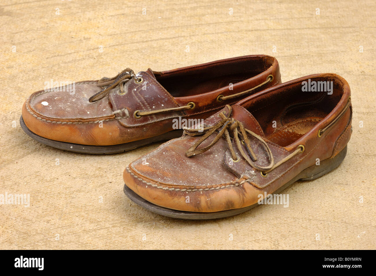 Scruffy shoes immagini & scruffy shoes fotos stock alamy