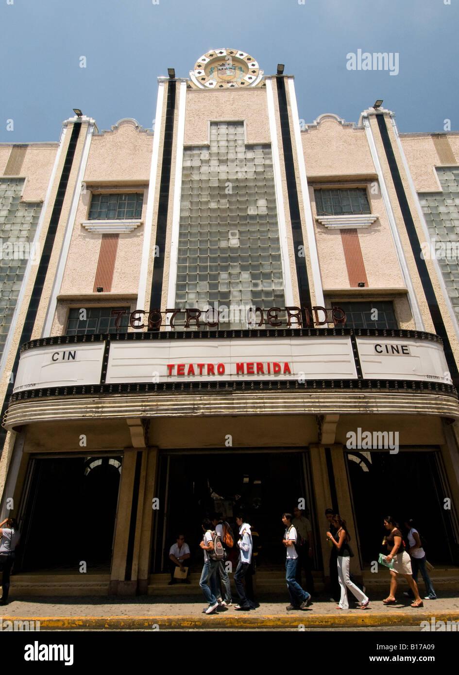Art Deco cinema e teatro Merida capitale dello stato dello Yucatan Messico la prima città spagnola costruito Immagini Stock