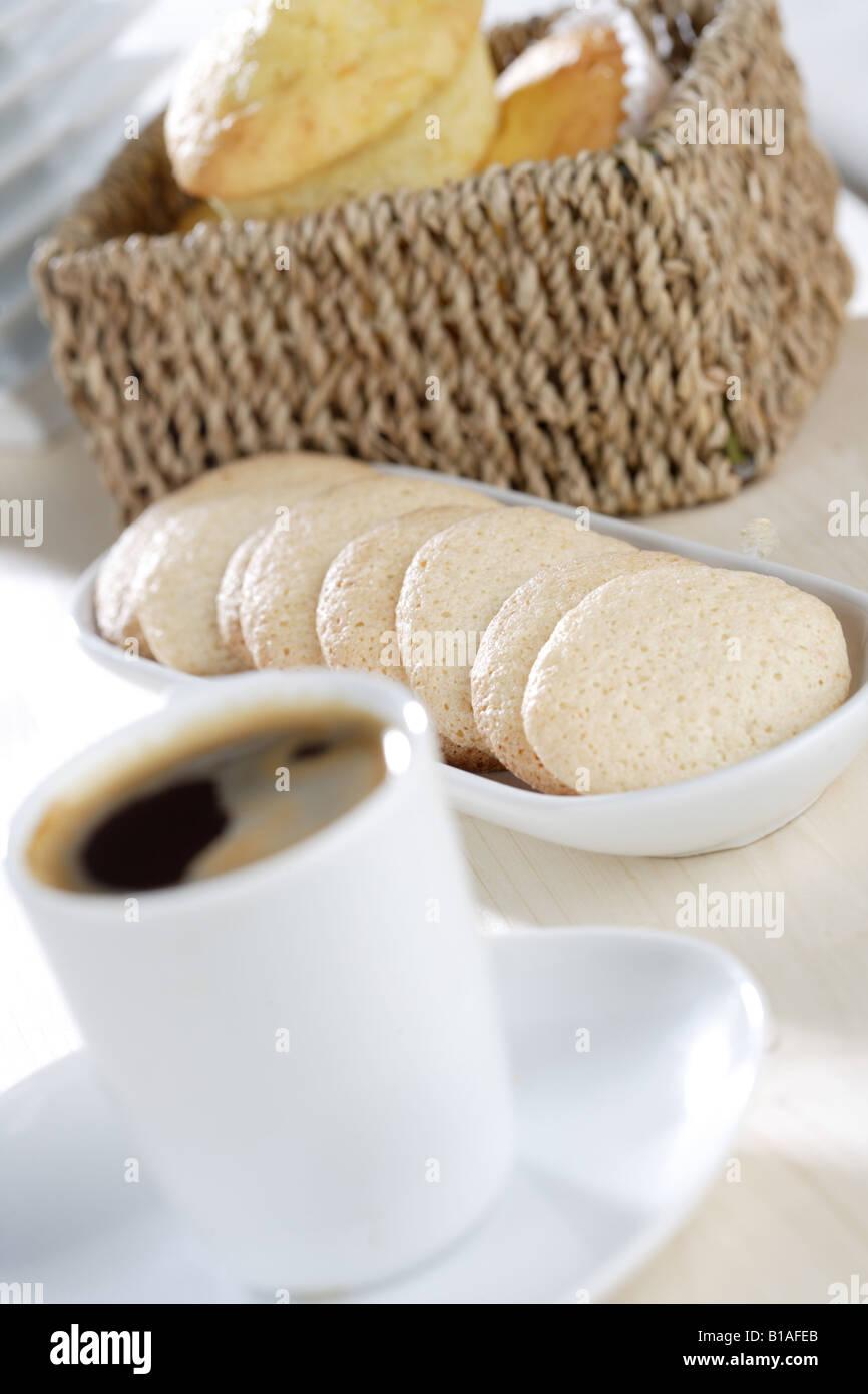 Caffè con mandorla macarrons Immagini Stock