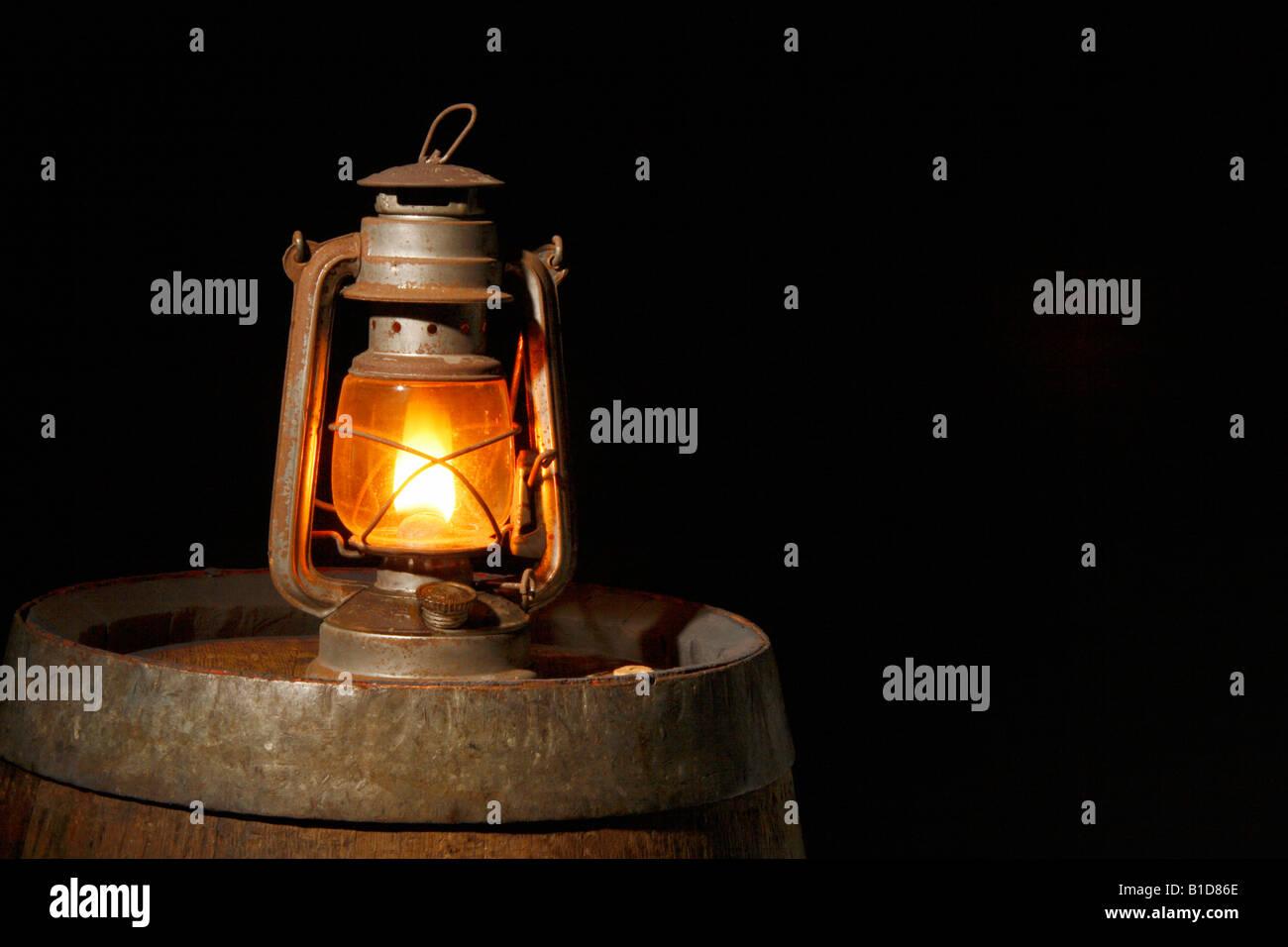 La masterizzazione di olio di mezzanotte. Immagini Stock