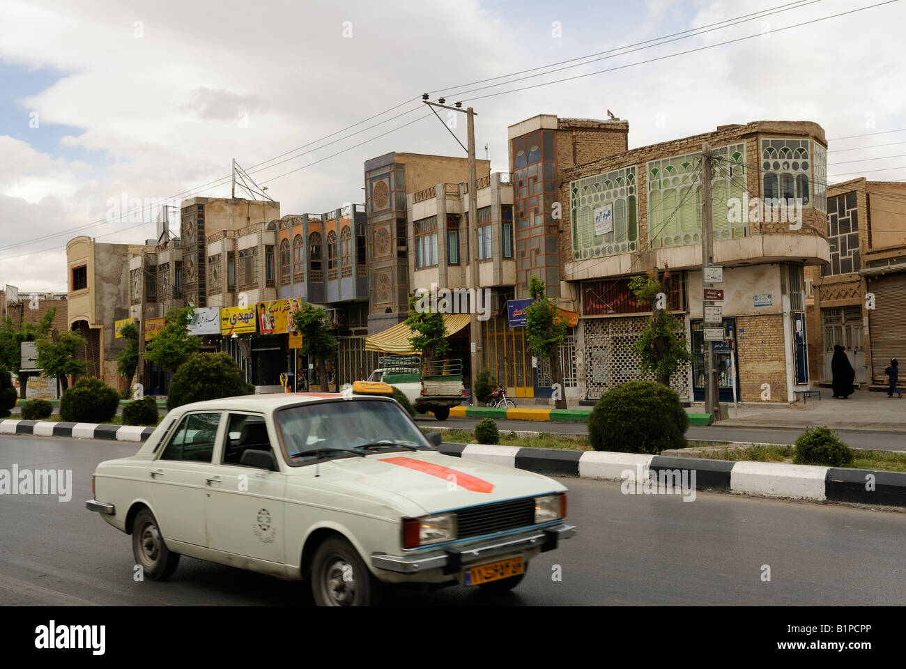 Iran 2006: Taxi in Emamzadah Jafar Street, Yazd, Iran Immagini Stock