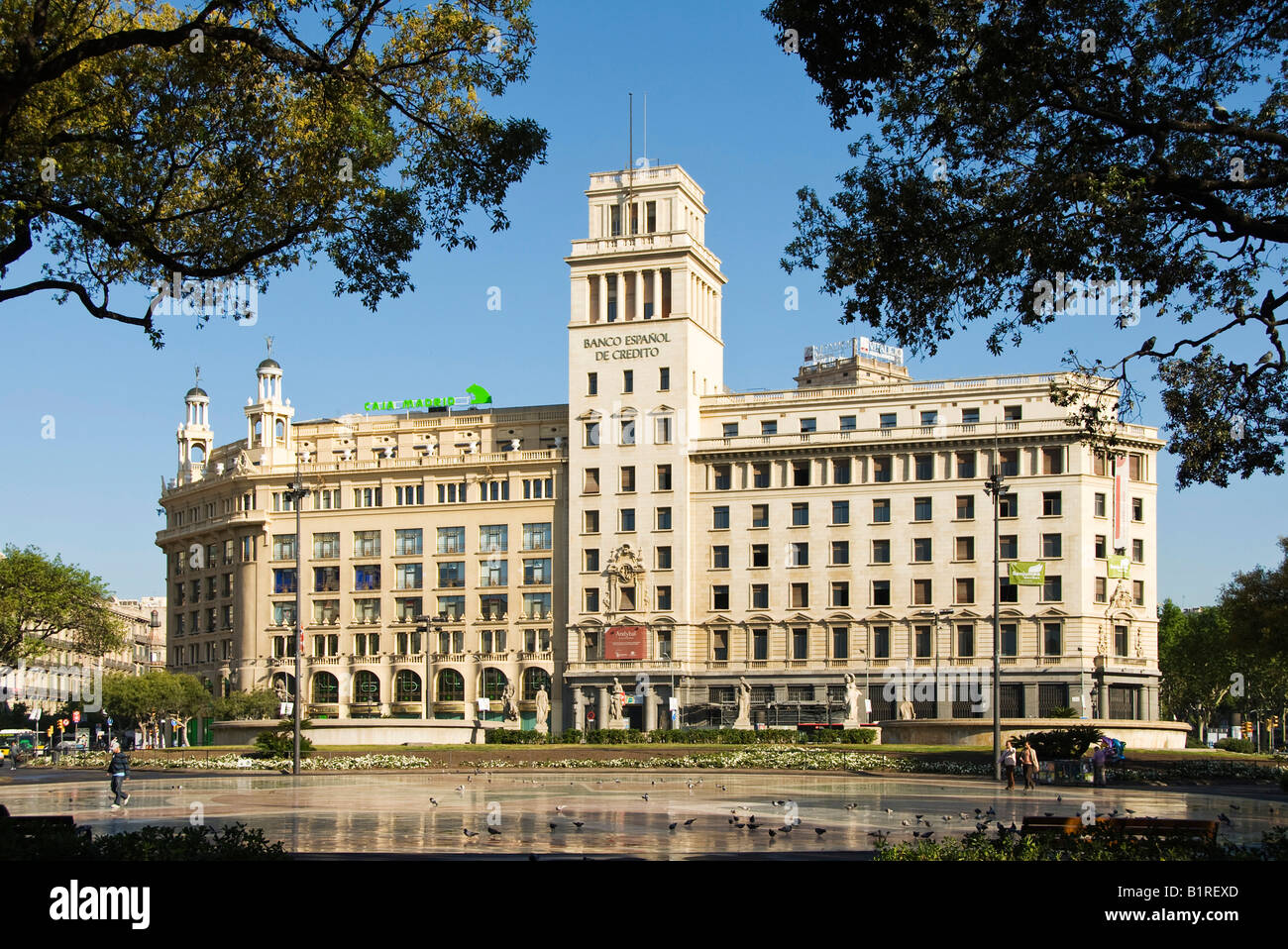Banco Español de Crédito, Spagnolo Credit Bank building in Placa de Catalunya, quartiere Eixample, Barcellona, Immagini Stock