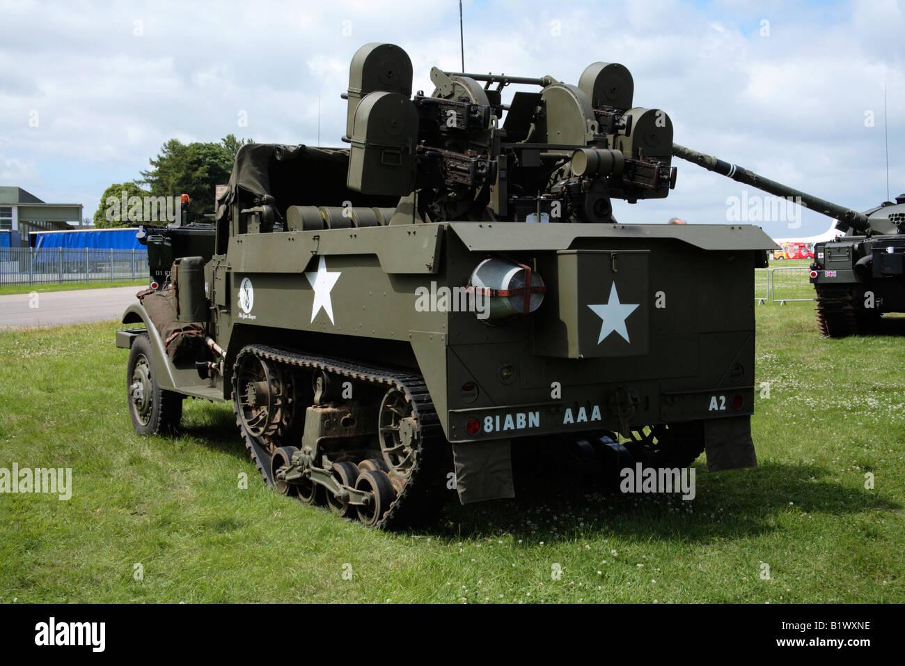 WWII Cannoni Antiaerei Montati Su M3 A Mezza Via