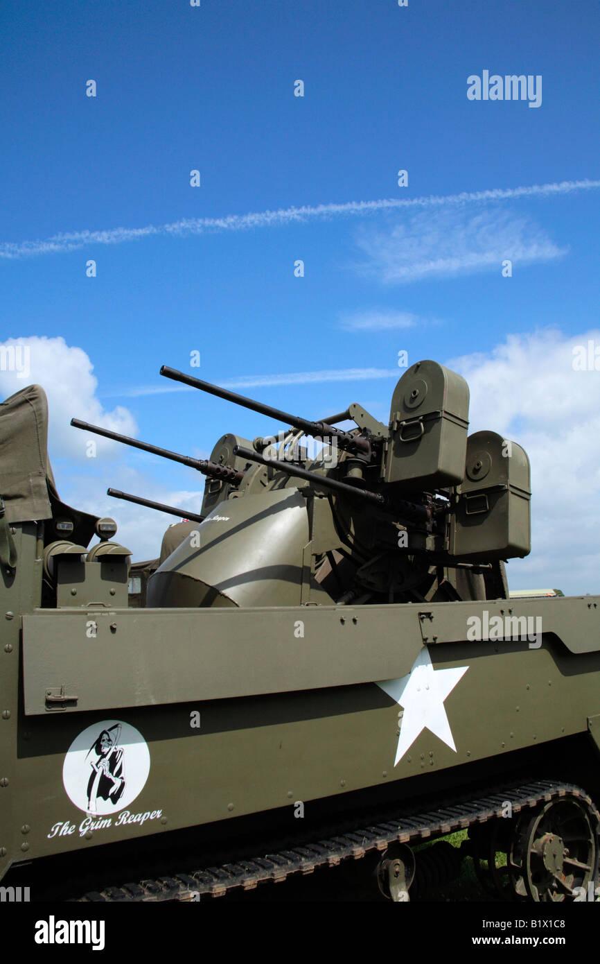 Cannoni Antiaerei Su Un M3 A Mezza Via