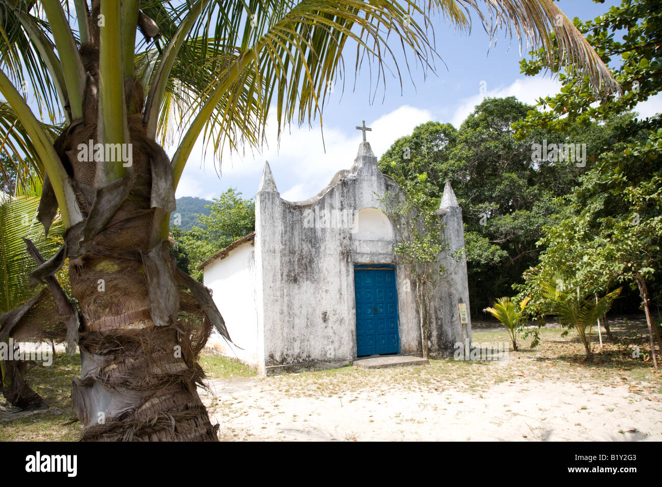 Piccola chiesa, Lopes Mendes Beach, Ilha Grande, Brasile Immagini Stock