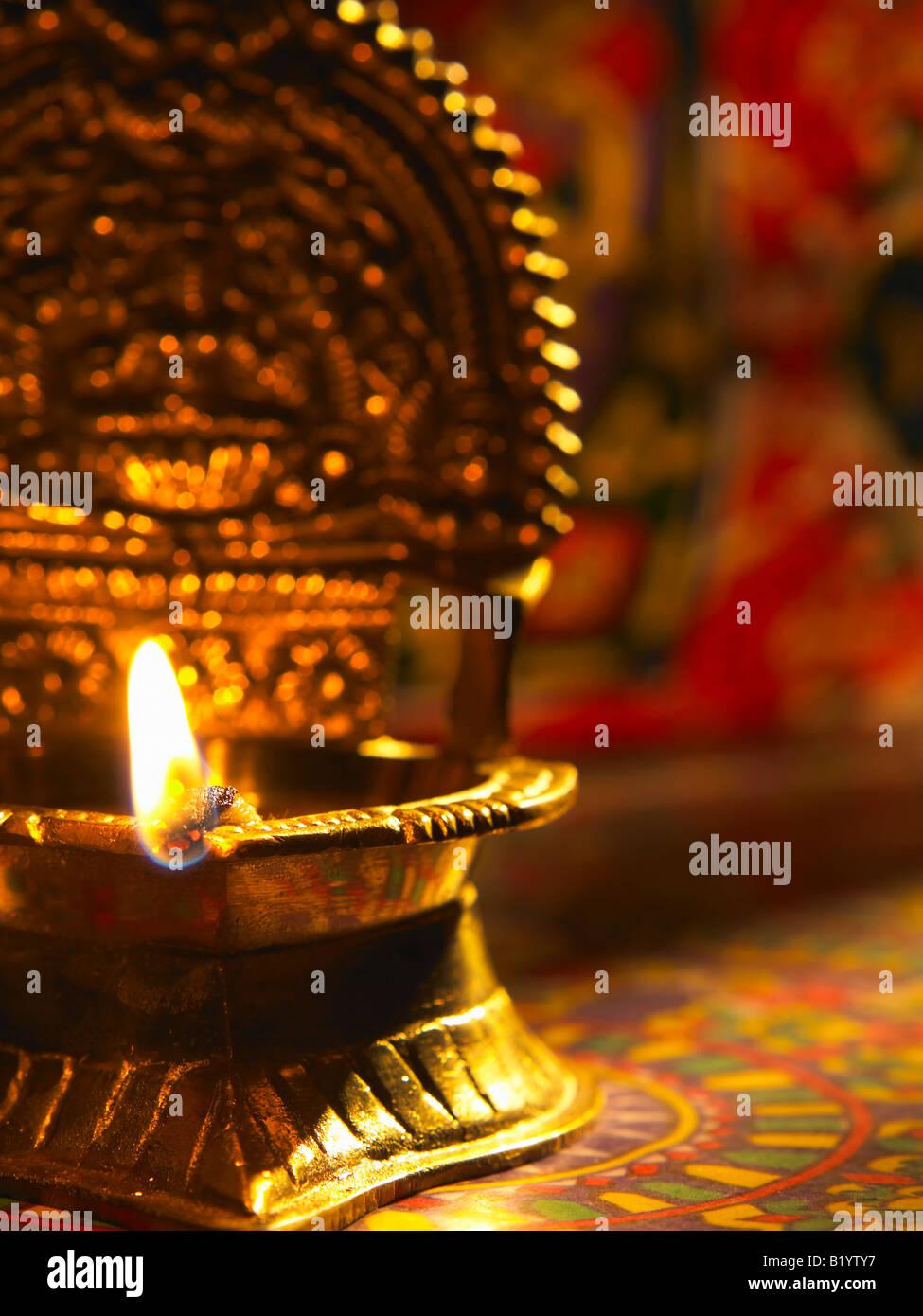 Vista frontale tradizionale lampada ad olio Immagini Stock