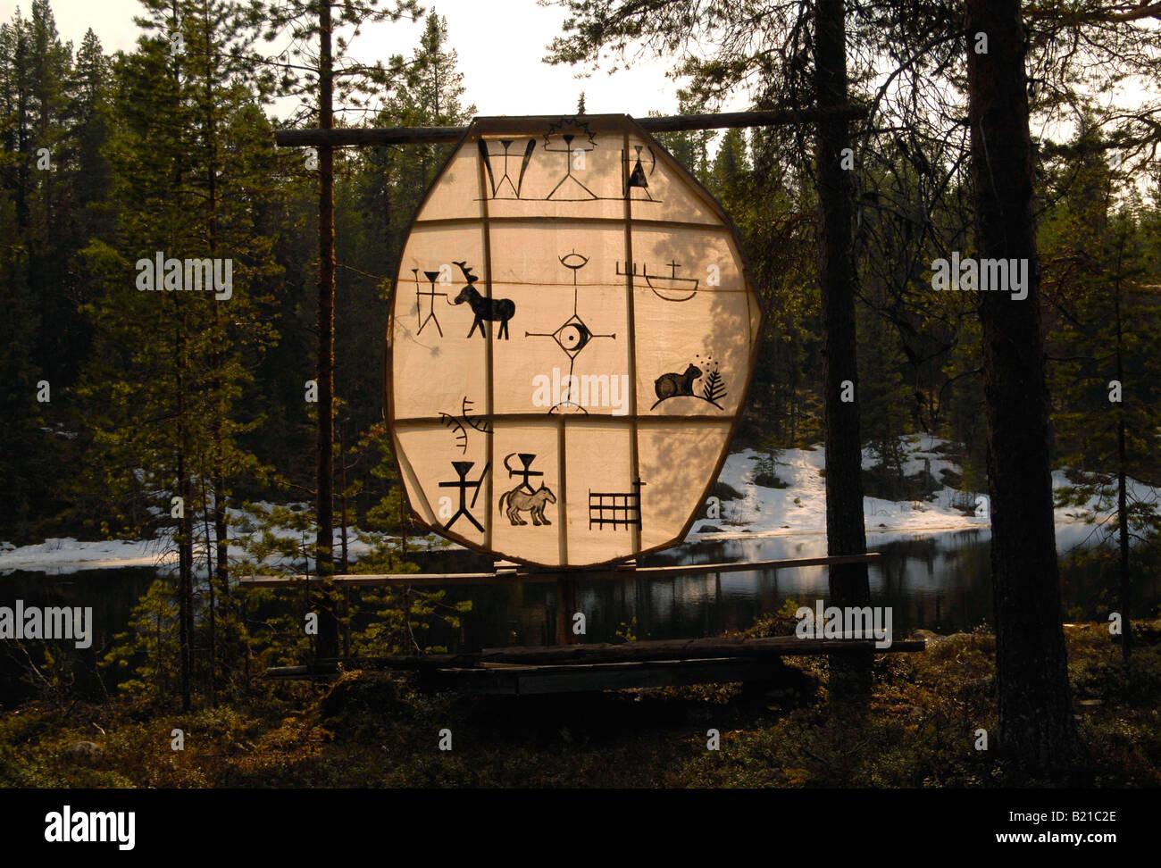 Sami tradizionale arte visualizzati a Sami centro culturale nel nord della Svezia. Immagini Stock