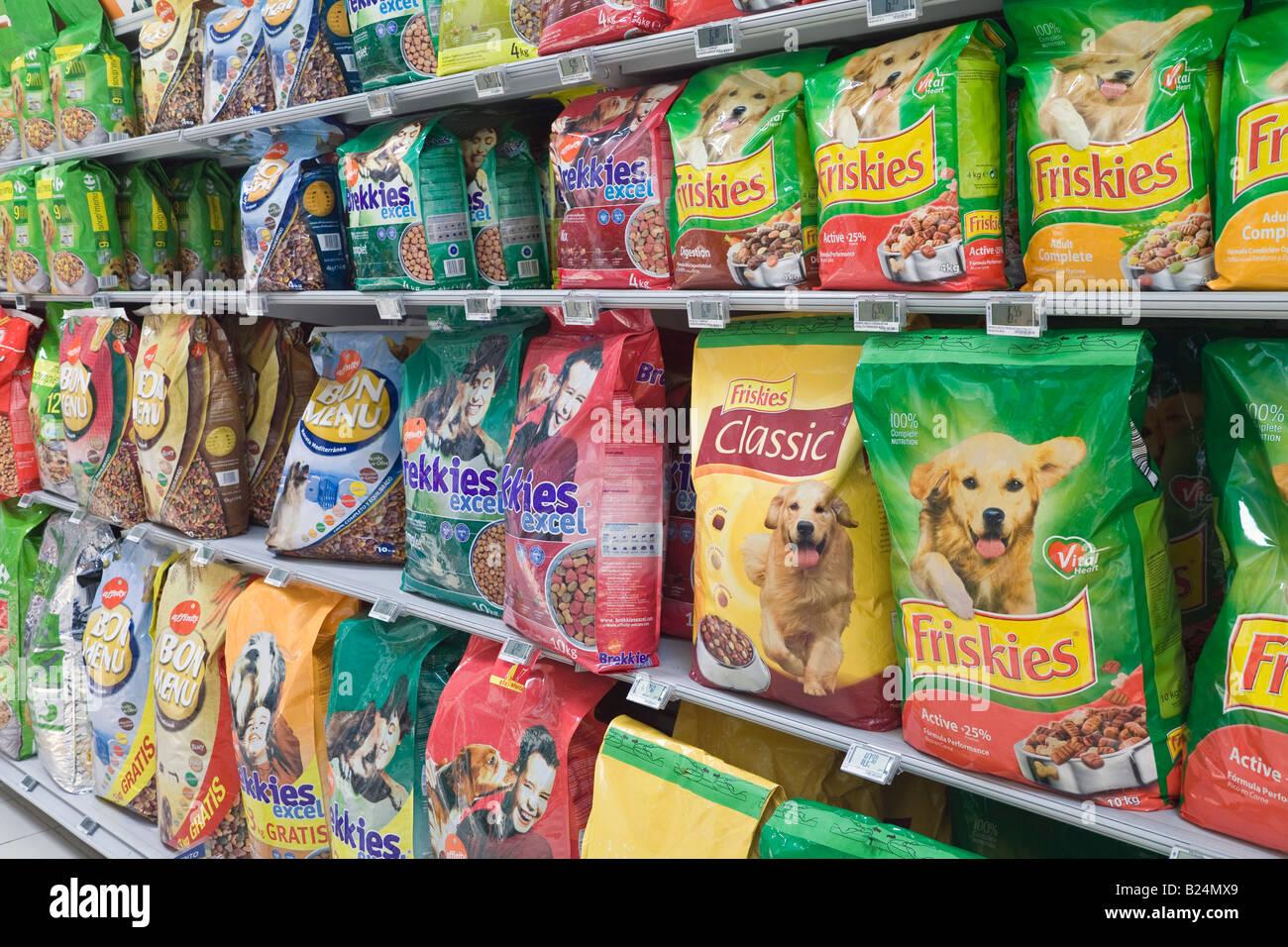 marche diverse di pacchettizzato il cibo per cani in vendita nel