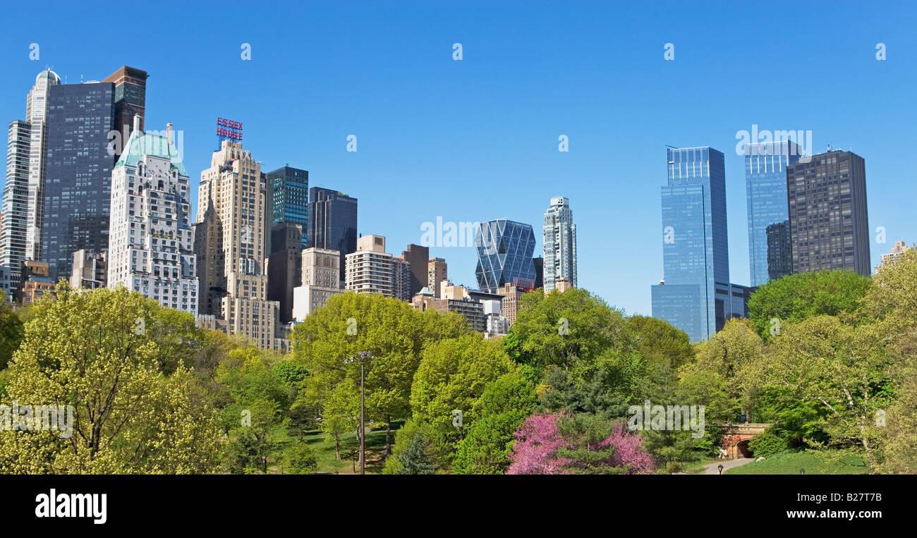 Edifici e alberi, New York, Stati Uniti Immagini Stock