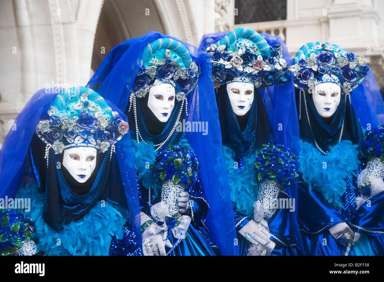 Il Carnevale di Venezia i partecipanti in costume Immagini Stock