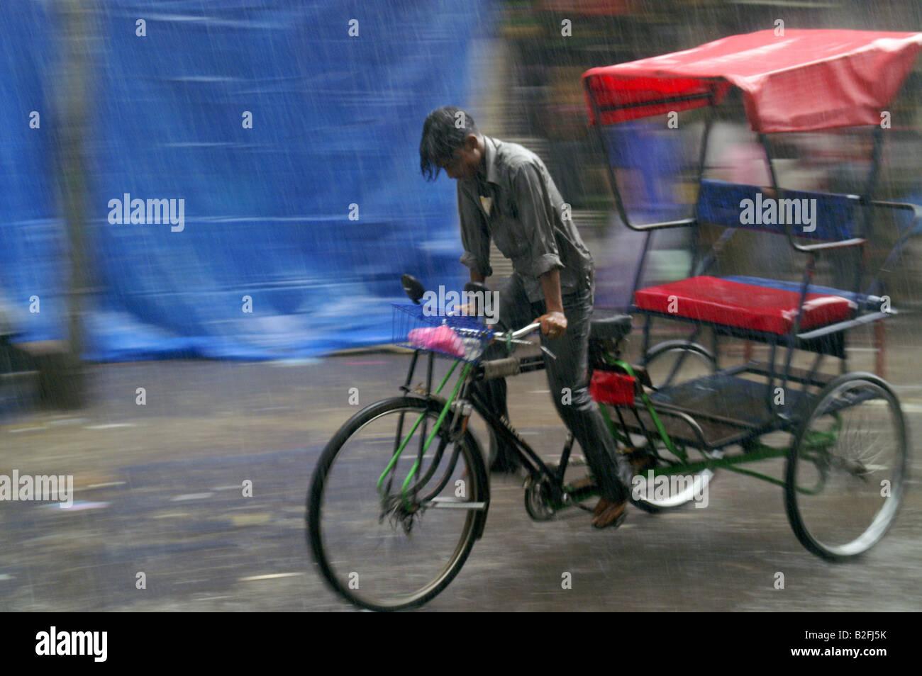 Indian Uomo Risciò Bicicletta Equitazione Bicicletta Da Strada A