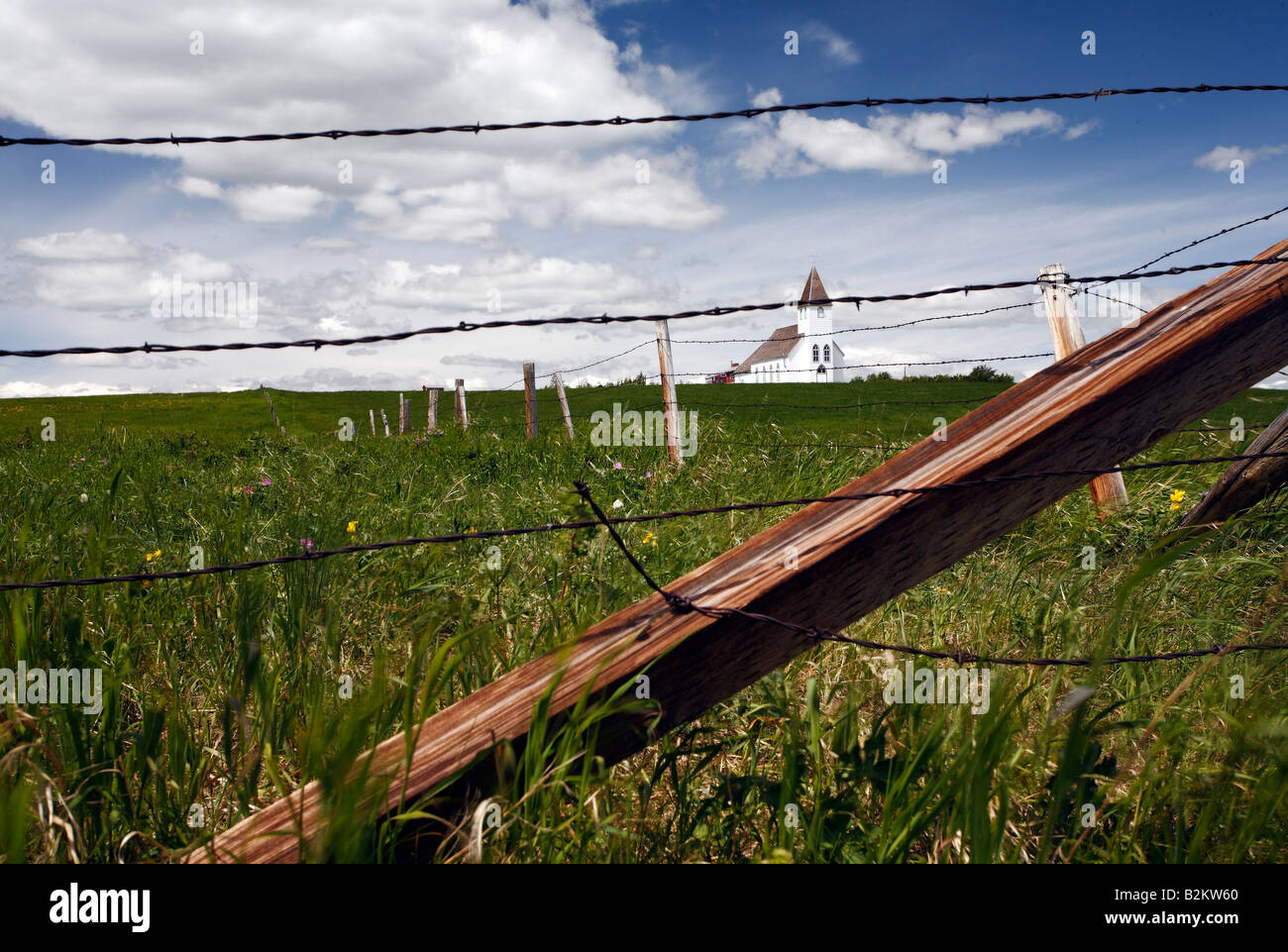 Christian prairie chiesa in prossimità del rullo di estrazione Creek Alberta Canada Immagini Stock
