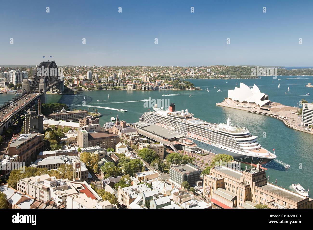 Sydney Opera House di Sydney e il Sydney Harbour Bridge Immagini Stock