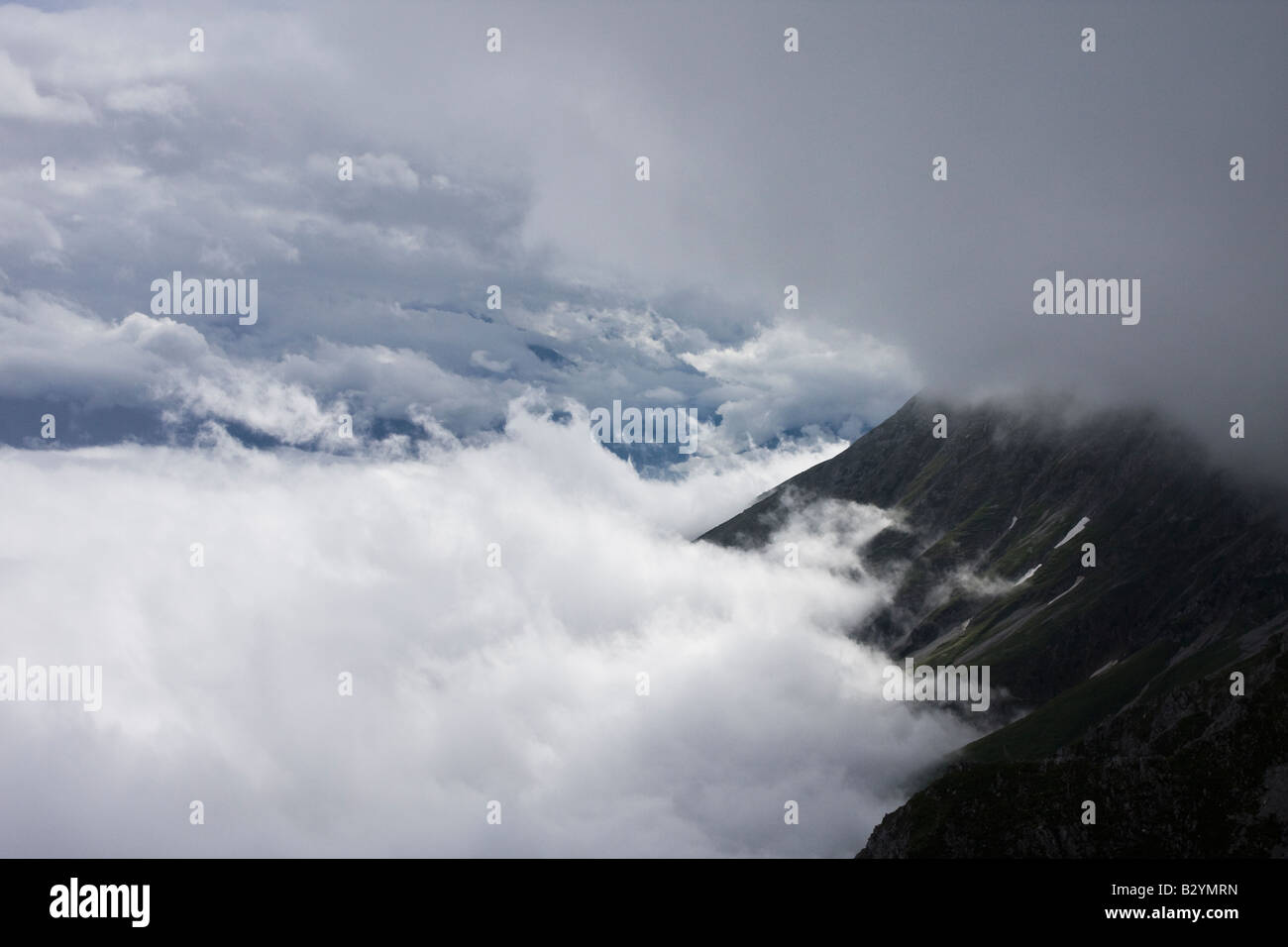 With two layers immagini & with two layers fotos stock alamy