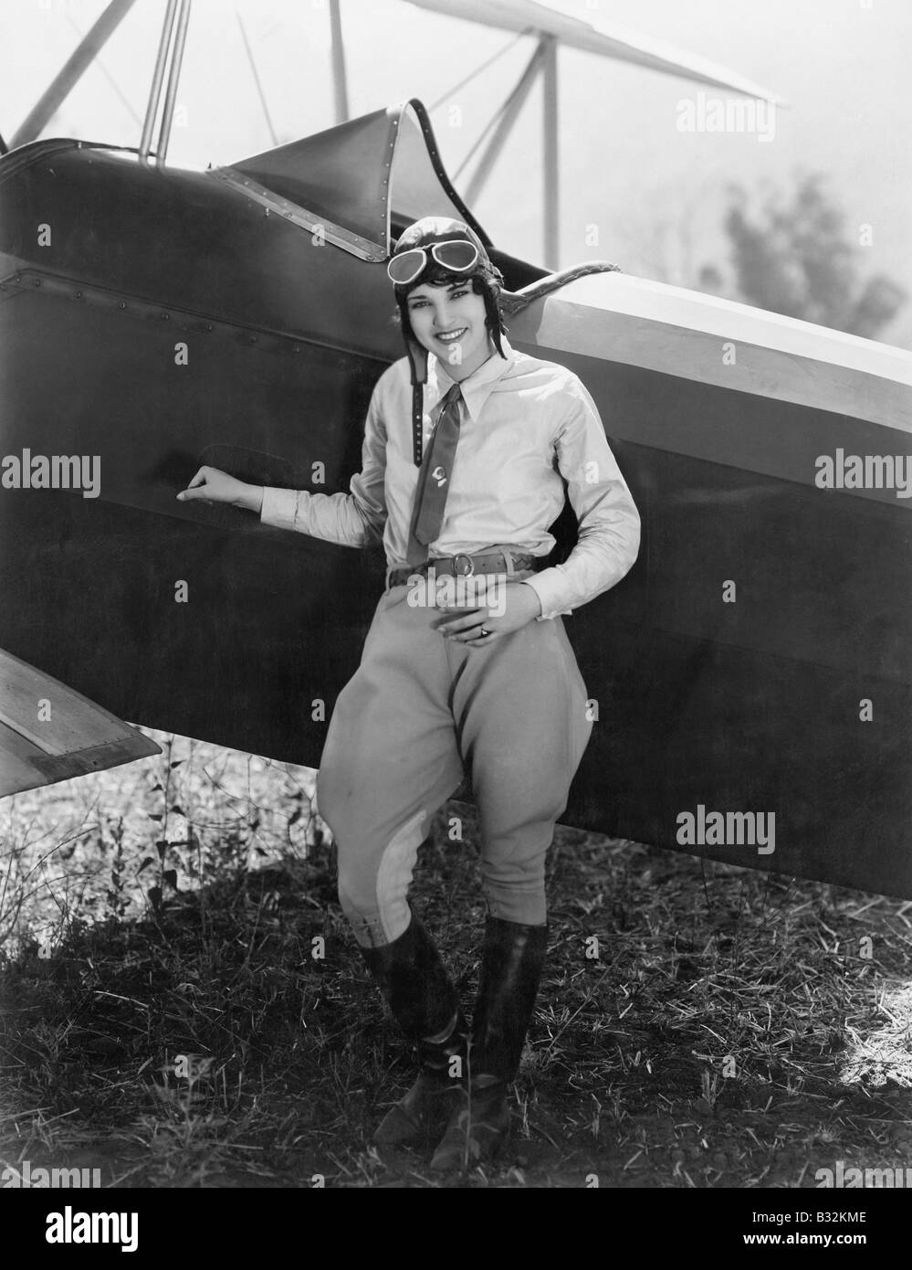 1920s aviatore femmina aviatrice Cappotto di pelle cappuccio
