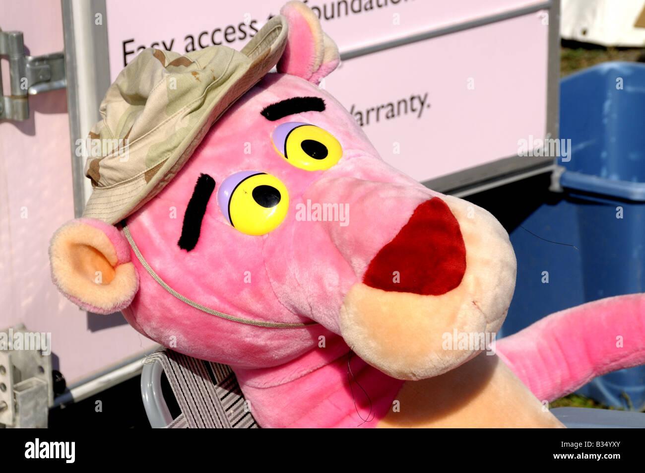 Cartoni animati Pantera rosa a riposo al County Fair di Gaithersburg, Maryland Immagini Stock