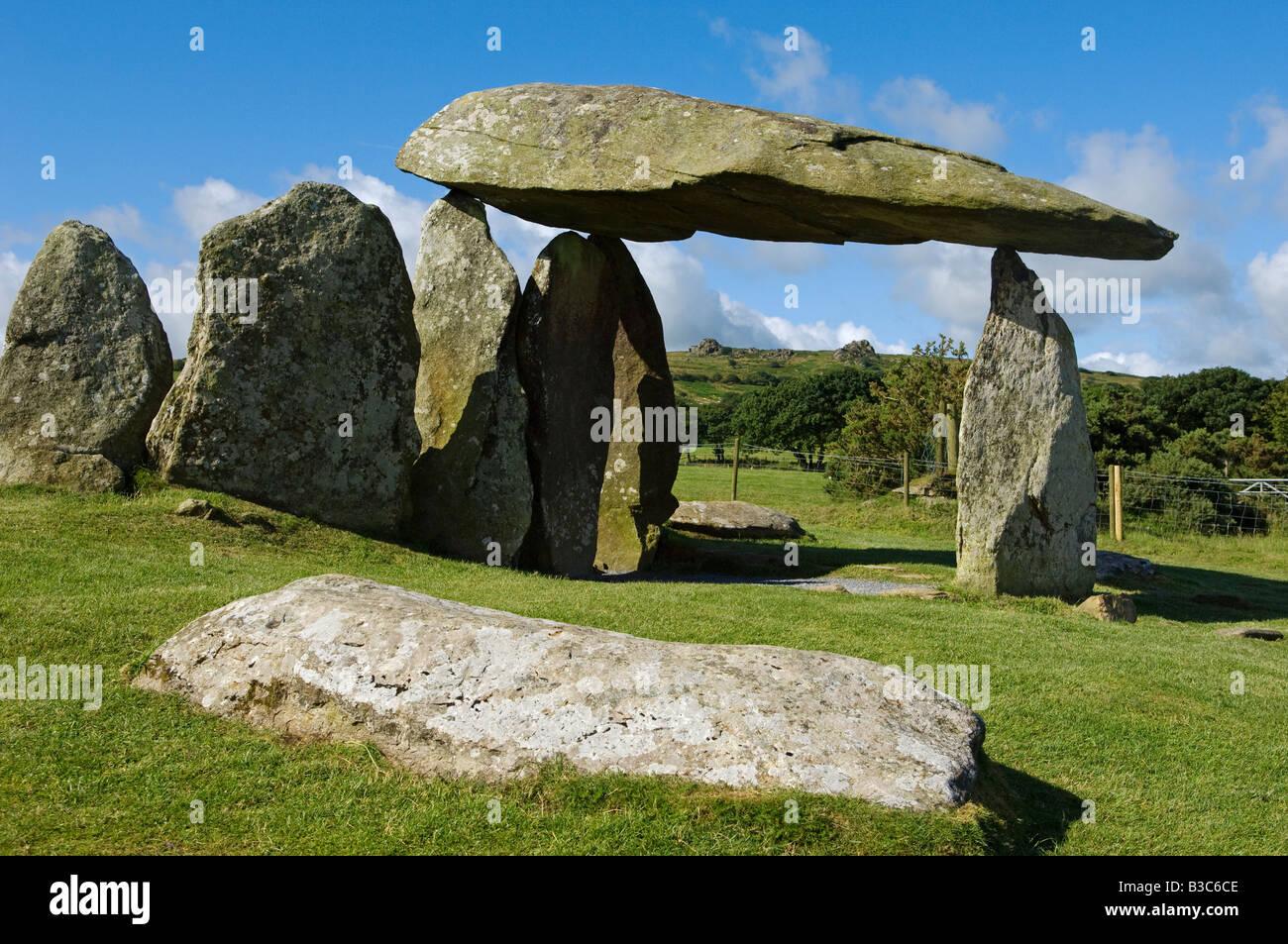 Regno Unito, Galles Pembrokeshire. Il sito del Neolitico antico dolmen di  Pentre Ifan, Galles più famose civiltà megalitica Foto stock - Alamy