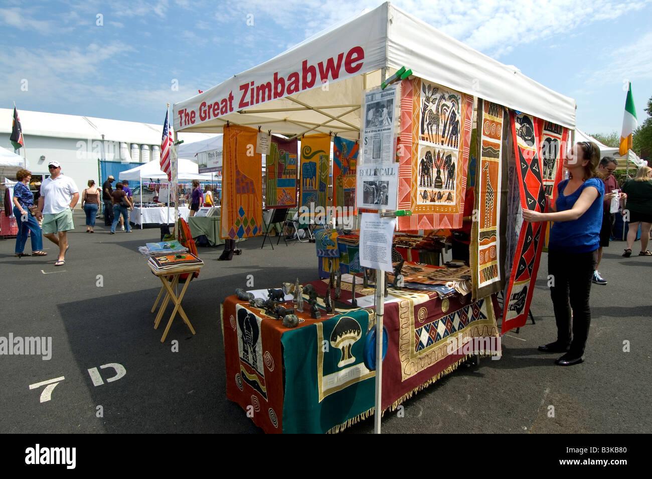 Grande Zimbabwe stallo del mercato delle pulci agricoltore orientale s mercati sud-est Washington DC Immagini Stock