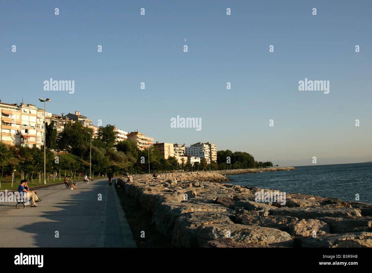 Il fronte mare di moda, Kadikoy, Istanbul, Turchia Immagini Stock