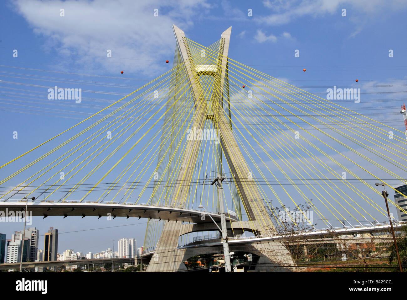 Octavio Frias ponte cavo di Sao Paulo in Brasile Immagini Stock