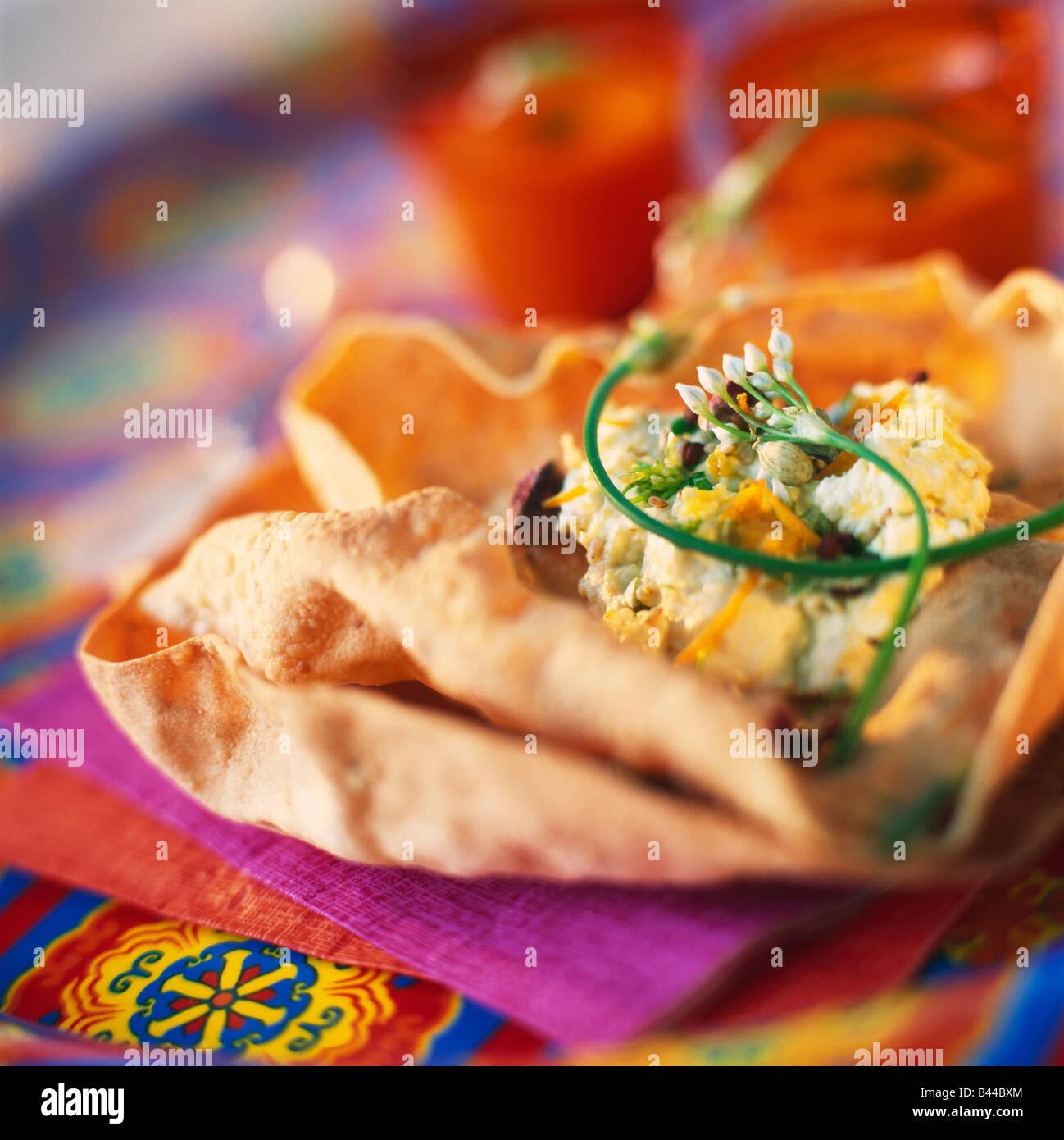 Poppadoms con formaggio indiano Immagini Stock