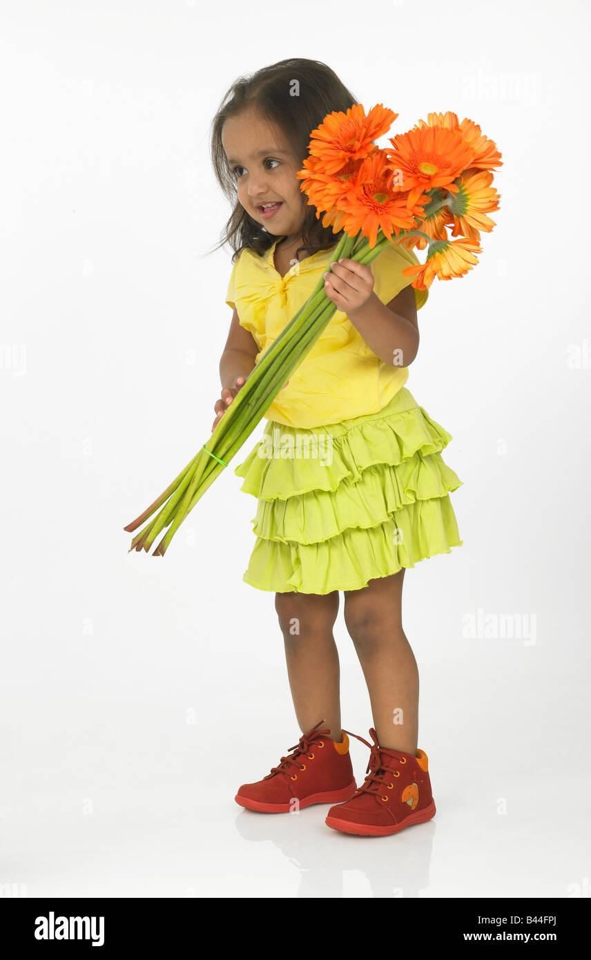 Indian ragazza con fiori Immagini Stock
