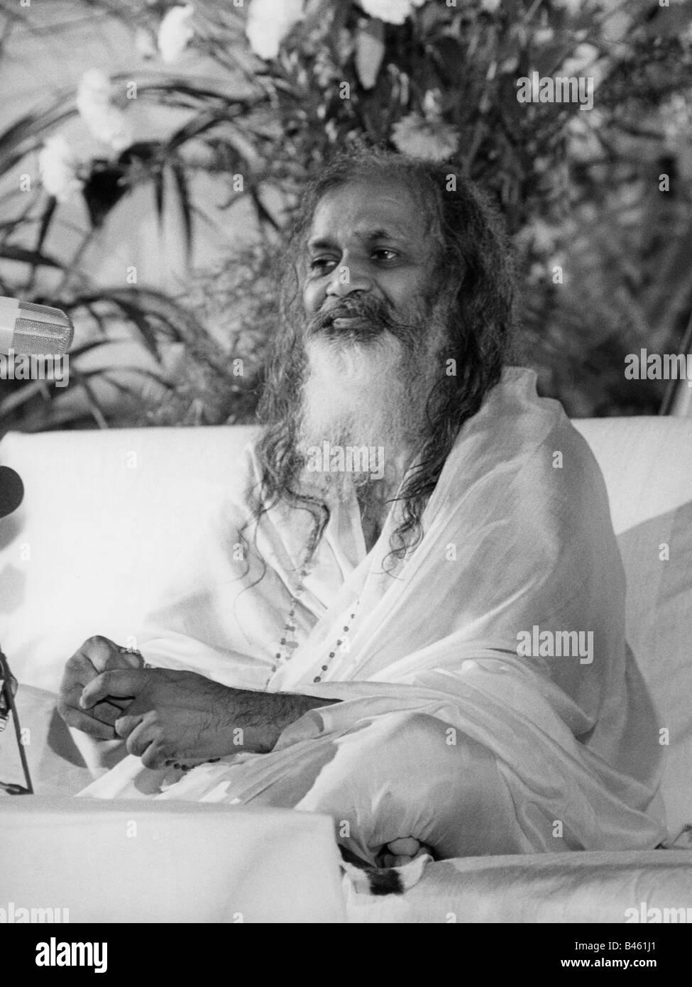 Maharishi Mahesh Yogi, 12.1.1917 - 5.2.2008, Guru indiano, full length, press call, 1969, Foto Stock