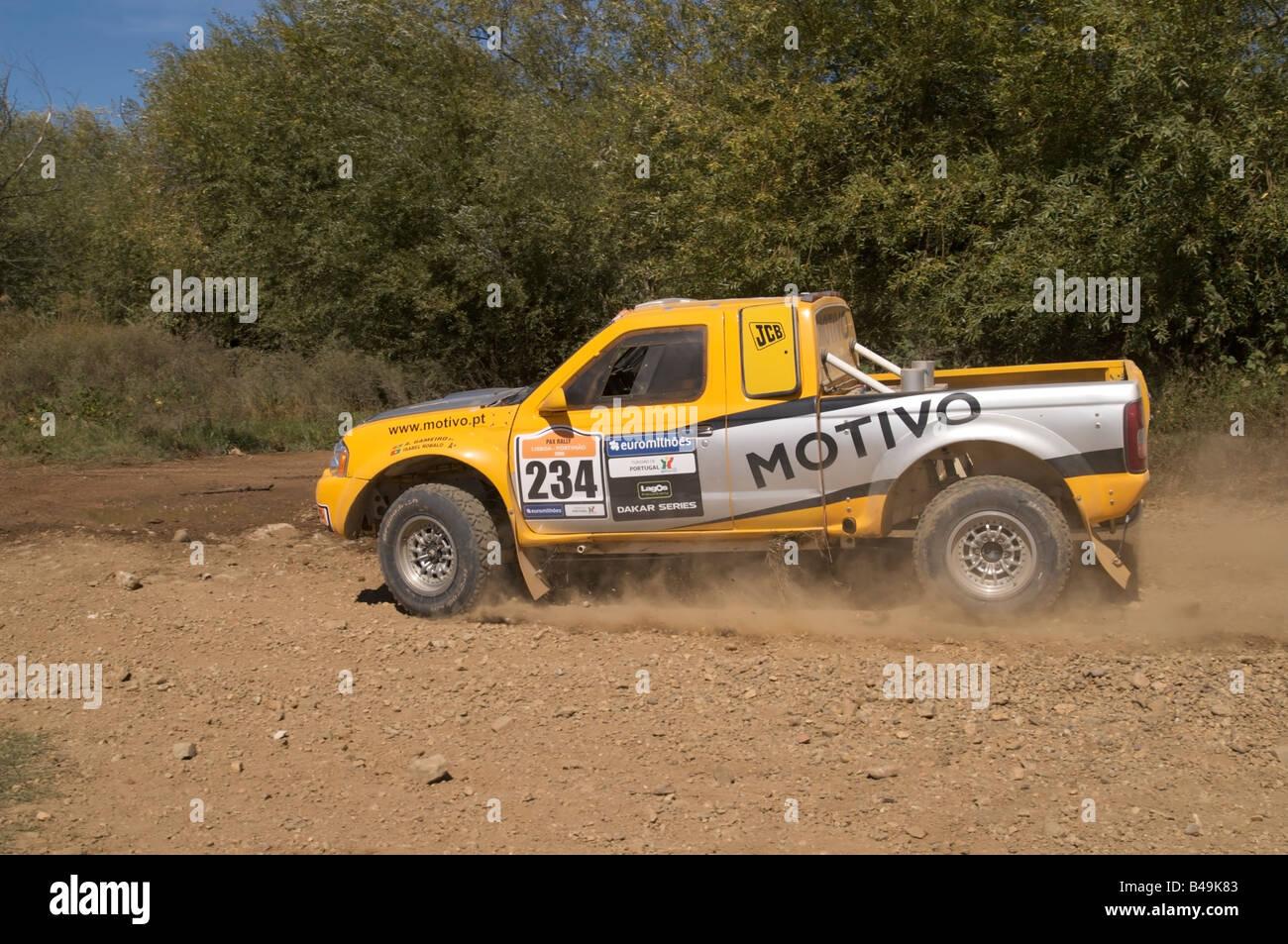 Pax Rally - Lisboa-Portimão - Dakar series - car 234 - Motivo team - Alexandra Gameiro e Isabel Robalo Immagini Stock
