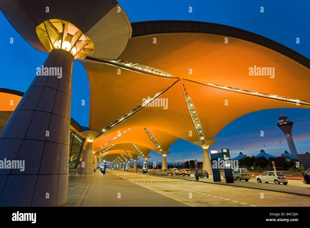 Asia, Malesia Kuala Lumpur Kuala Lumpur International Airport KLIA, moderna architettura esterna Immagini Stock