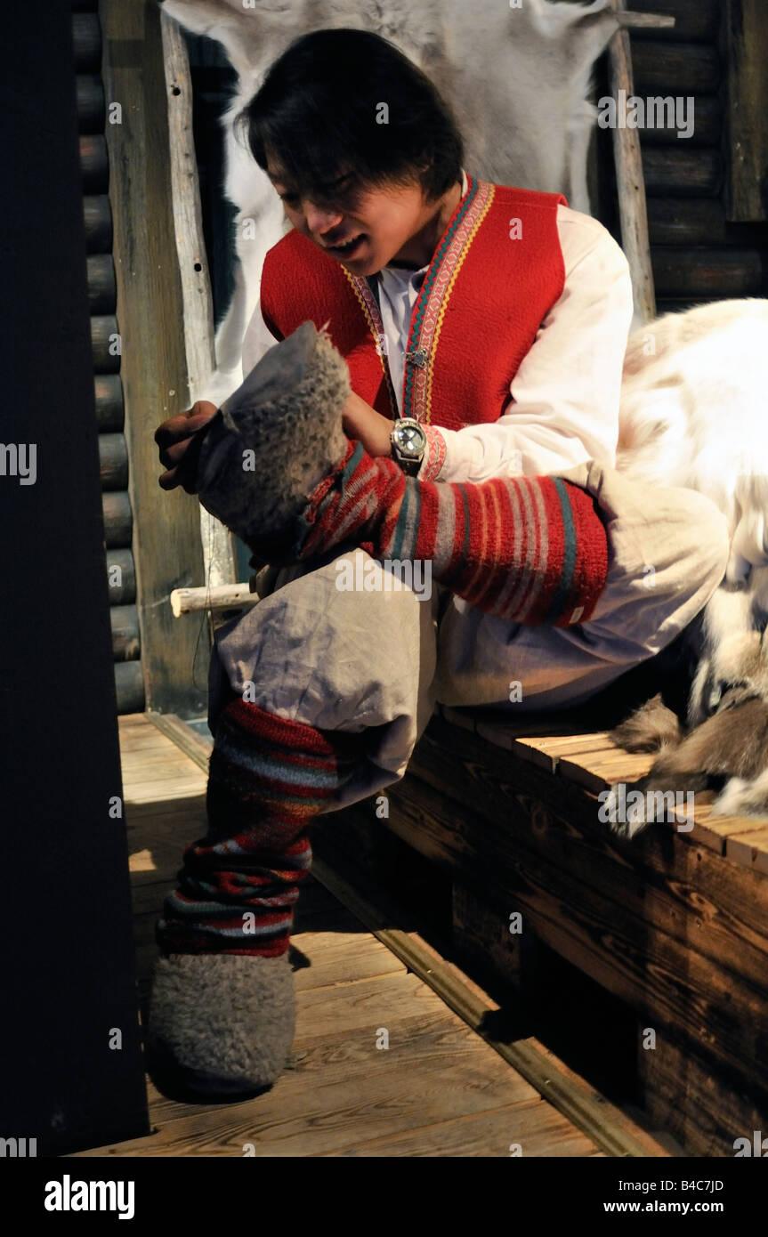 Finlandia a Rovaniemi Santa Park Sami boy Immagini Stock