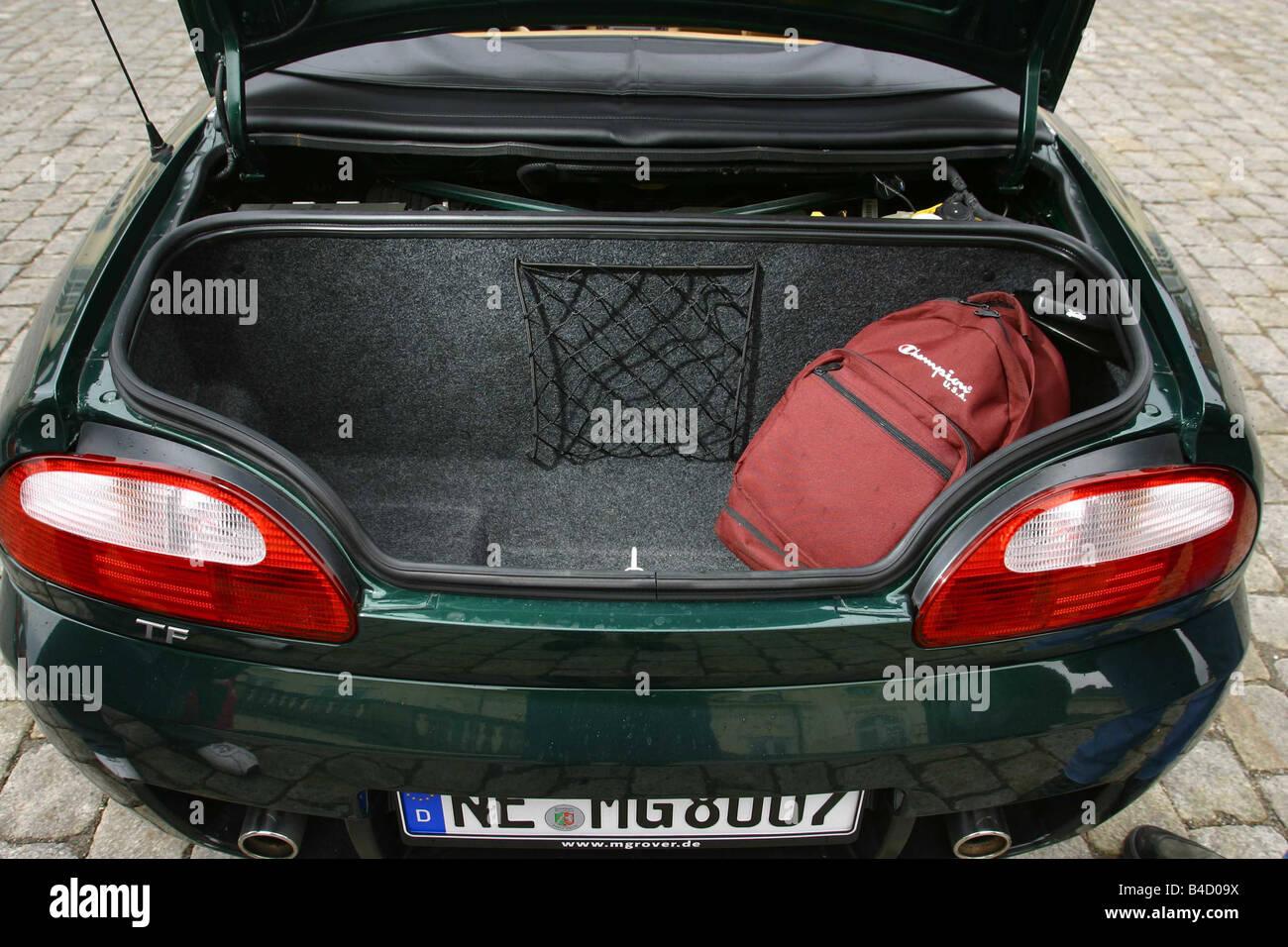 Auto, MG MGTF, cabriolet, modello anno 2002-, verde, vista in boot, tecnica/accessorio, accessori Foto Stock