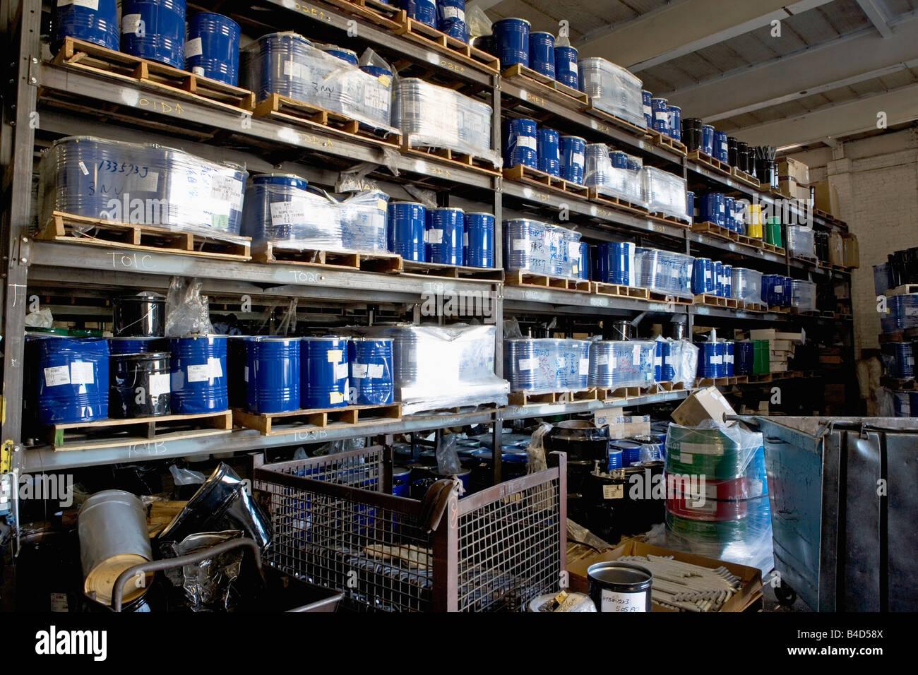 Magazzino, abbondanza, corridoio, collare blu, commercio, fabbrica, sollevamento forche, inventario, metallo, acciaio, Immagini Stock
