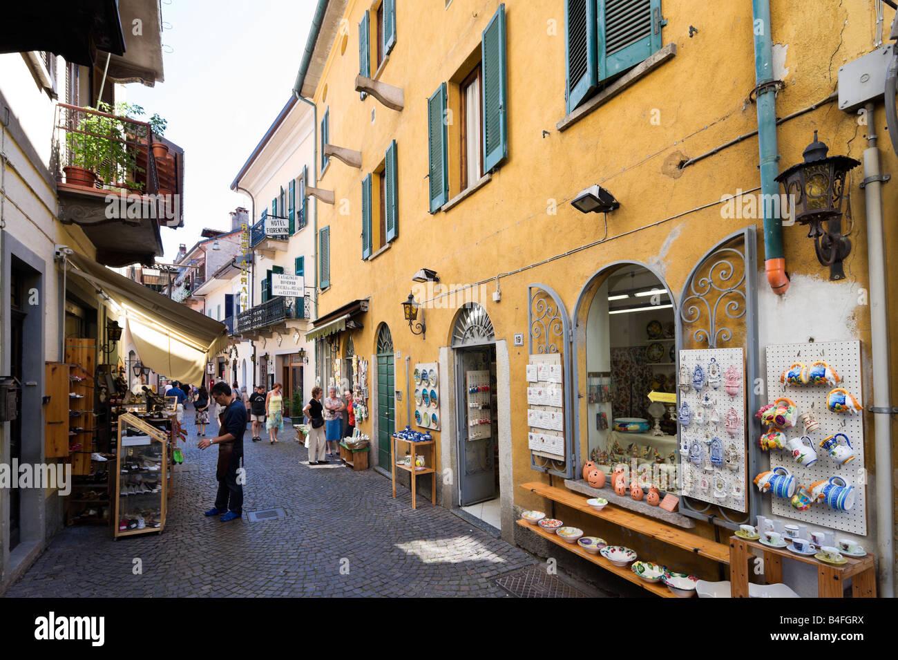 Italy souvenirs immagini italy souvenirs fotos stock for Negozi arredamento piemonte