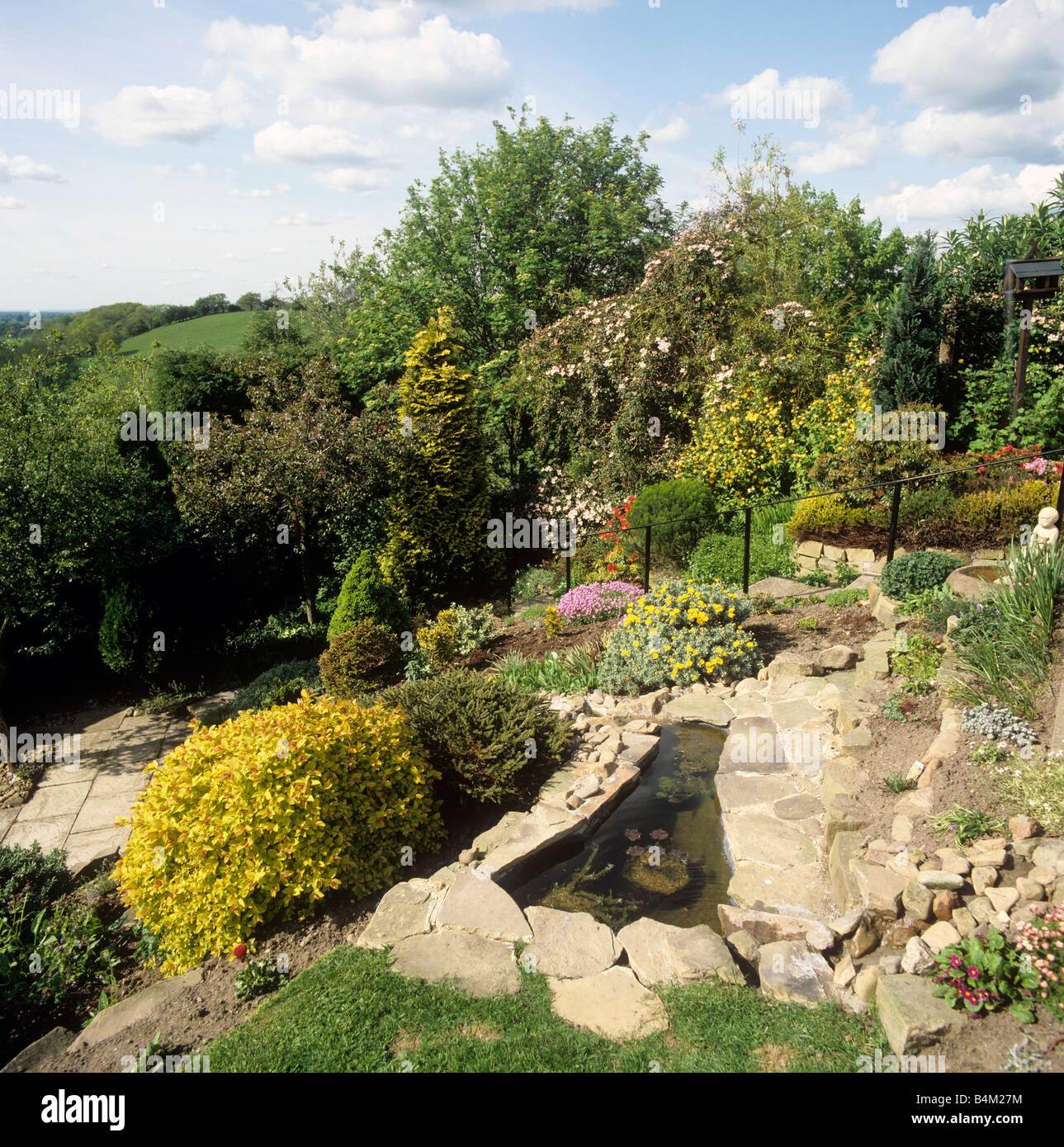 Giardini in pendenza for Soluzioni giardino in pendenza
